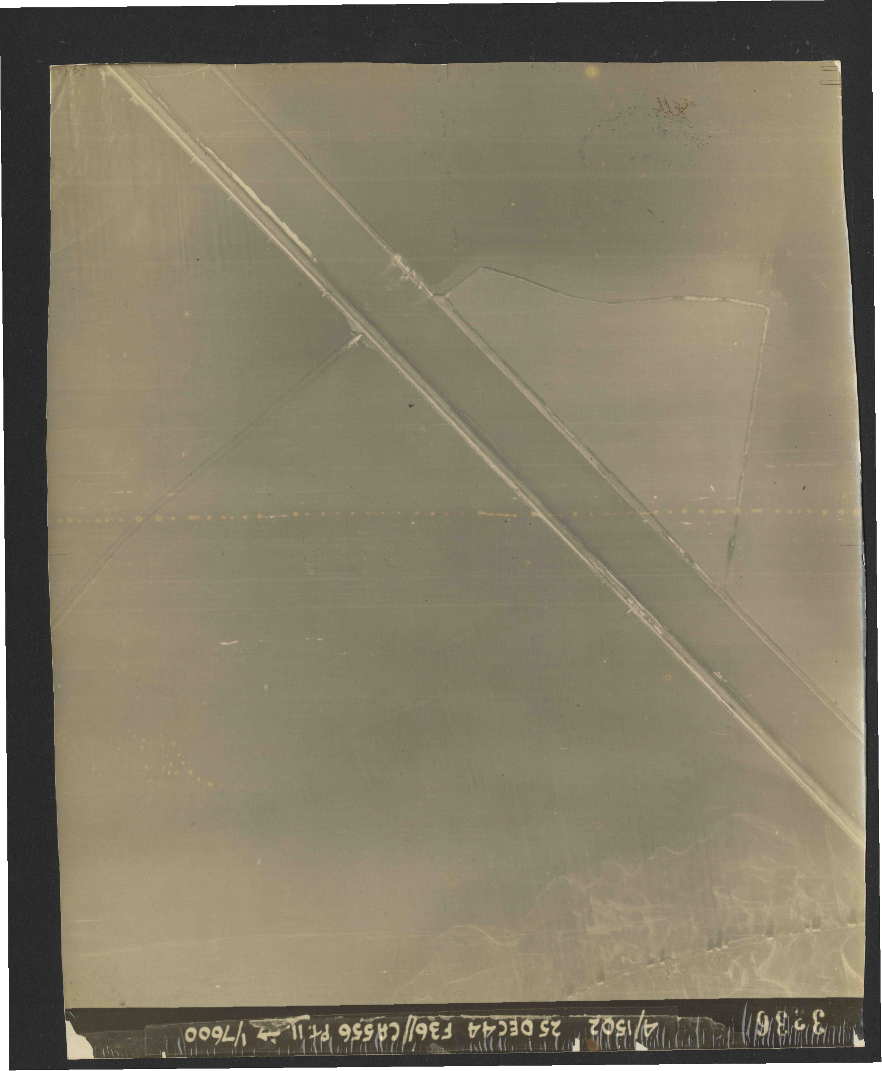 Collection RAF aerial photos 1940-1945 - flight 306, run 12, photo 3336