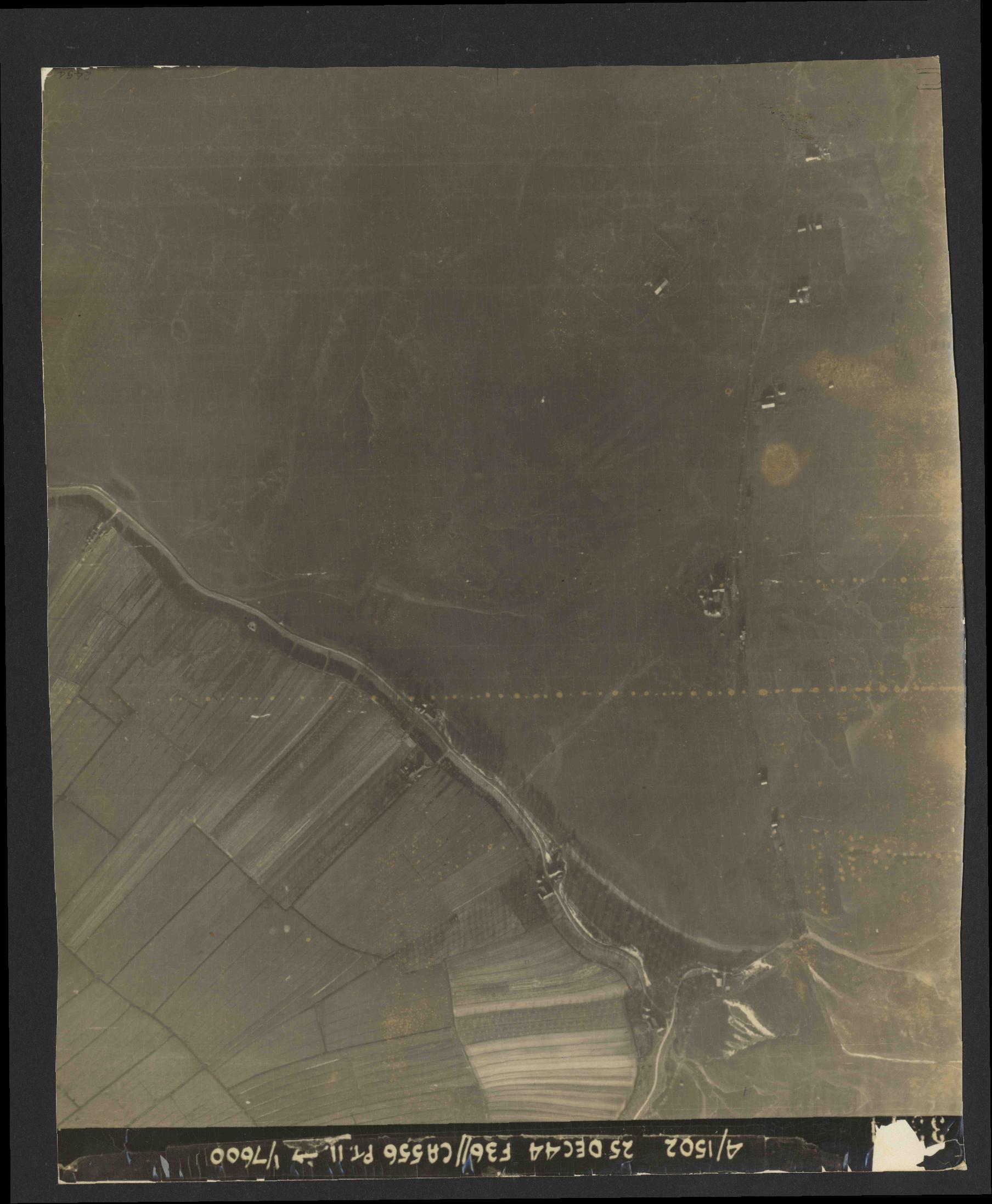 Collection RAF aerial photos 1940-1945 - flight 306, run 12, photo 3344