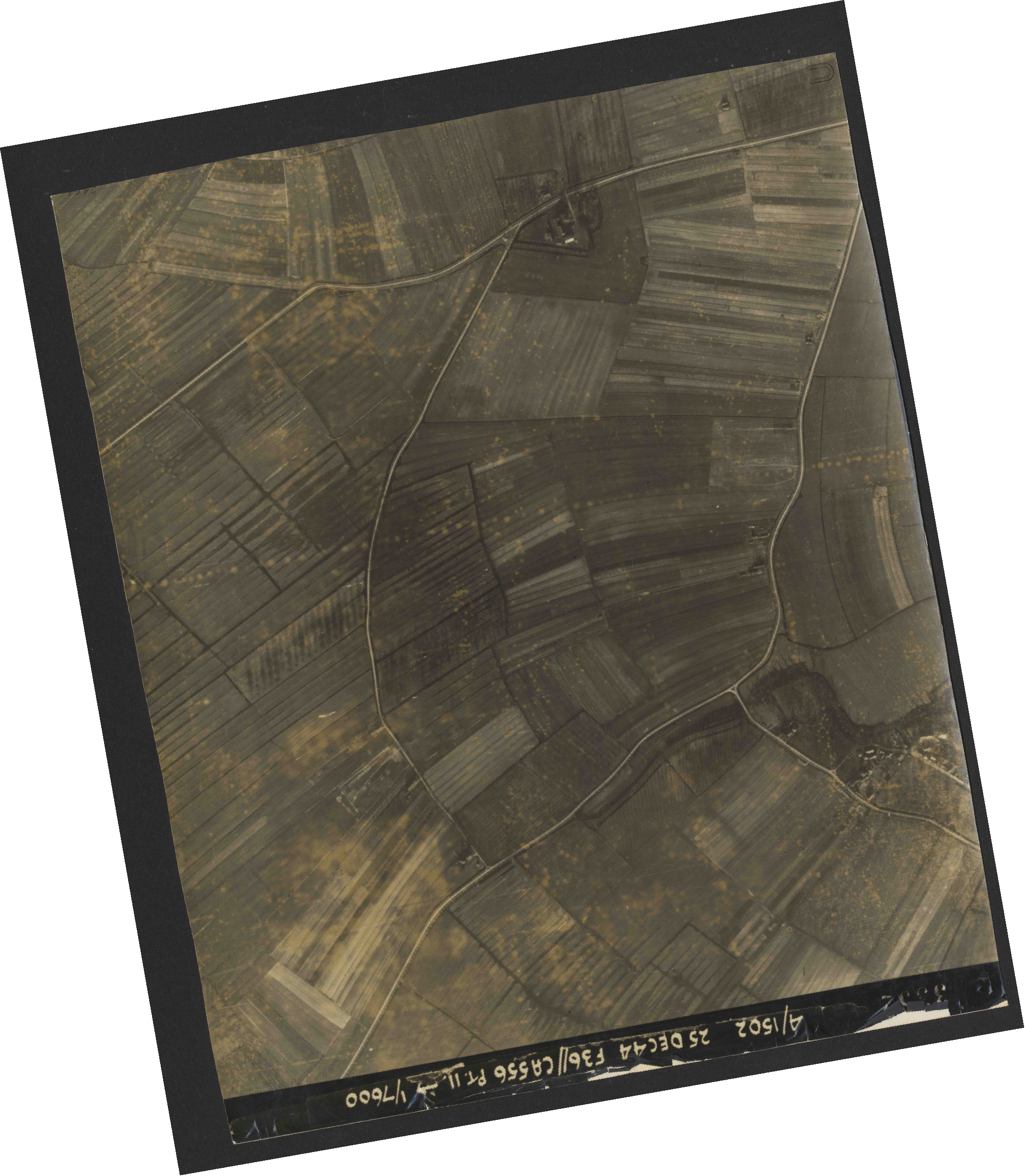 Collection RAF aerial photos 1940-1945 - flight 306, run 12, photo 3352