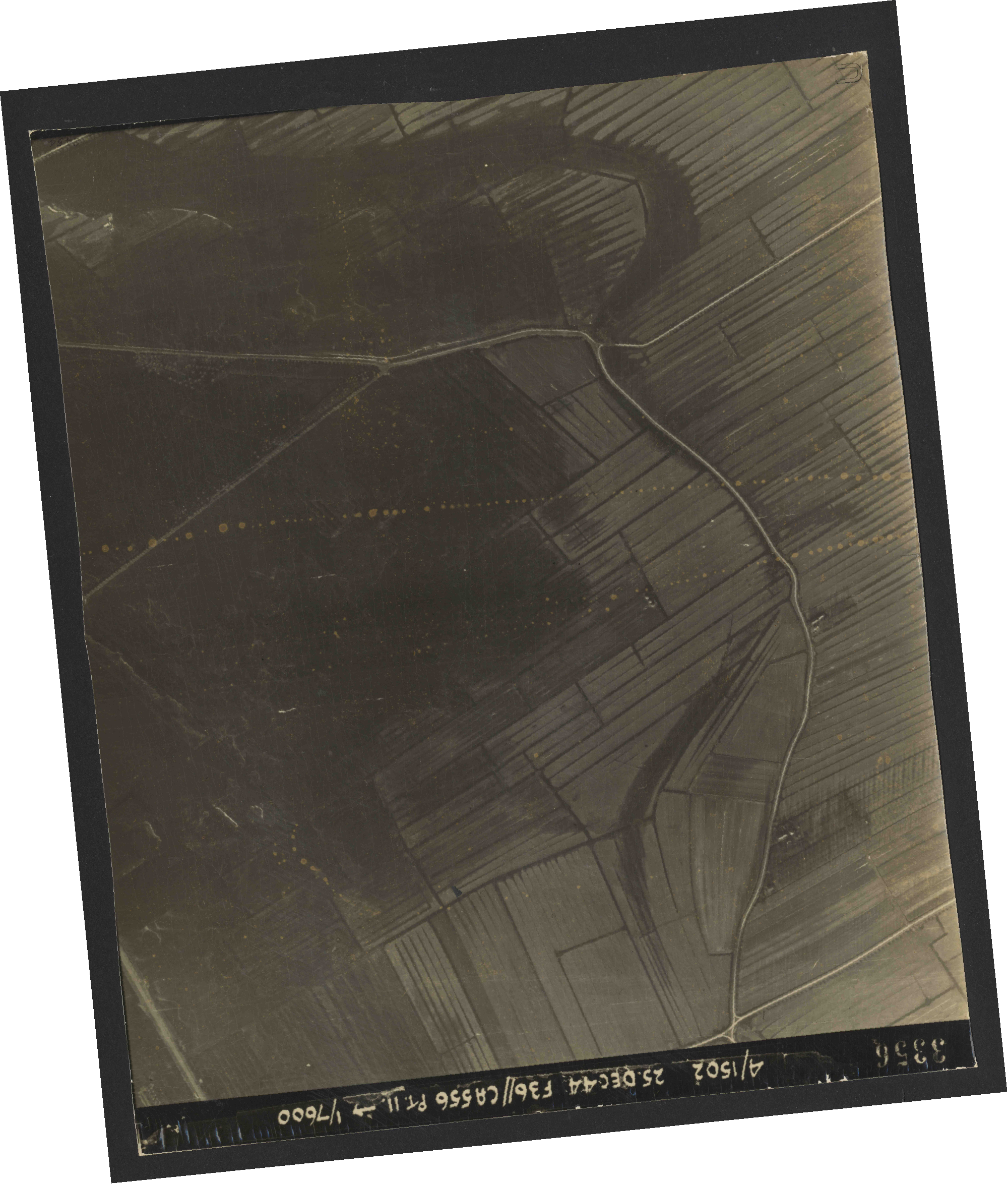 Collection RAF aerial photos 1940-1945 - flight 306, run 12, photo 3356
