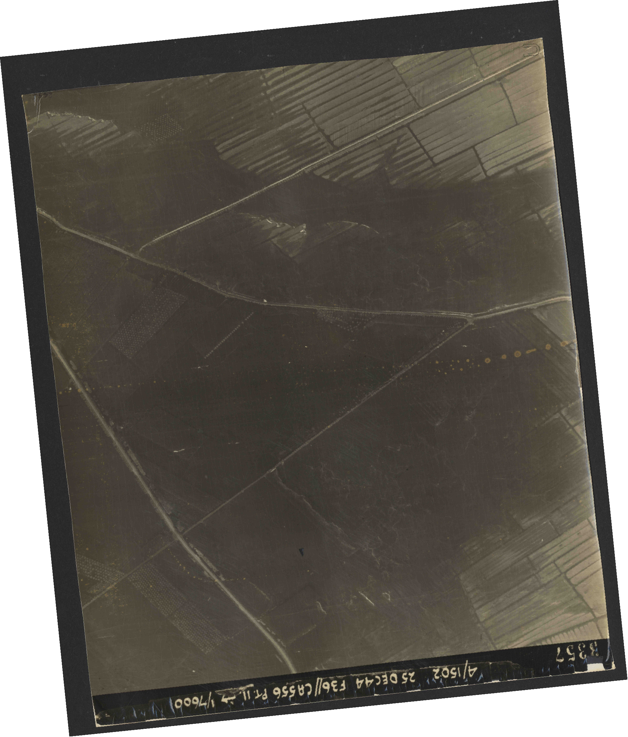 Collection RAF aerial photos 1940-1945 - flight 306, run 12, photo 3357