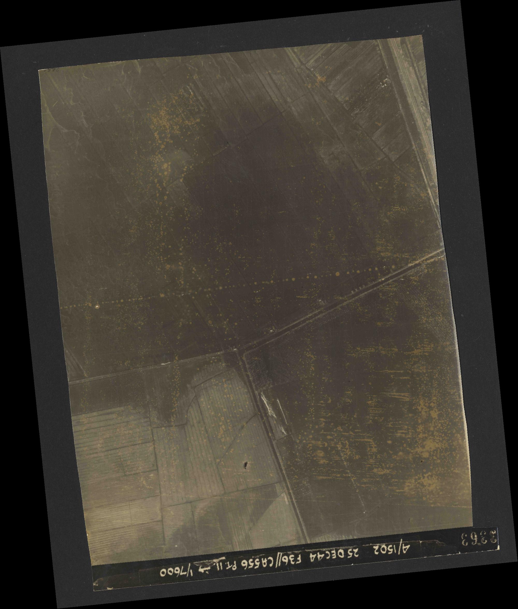 Collection RAF aerial photos 1940-1945 - flight 306, run 12, photo 3363