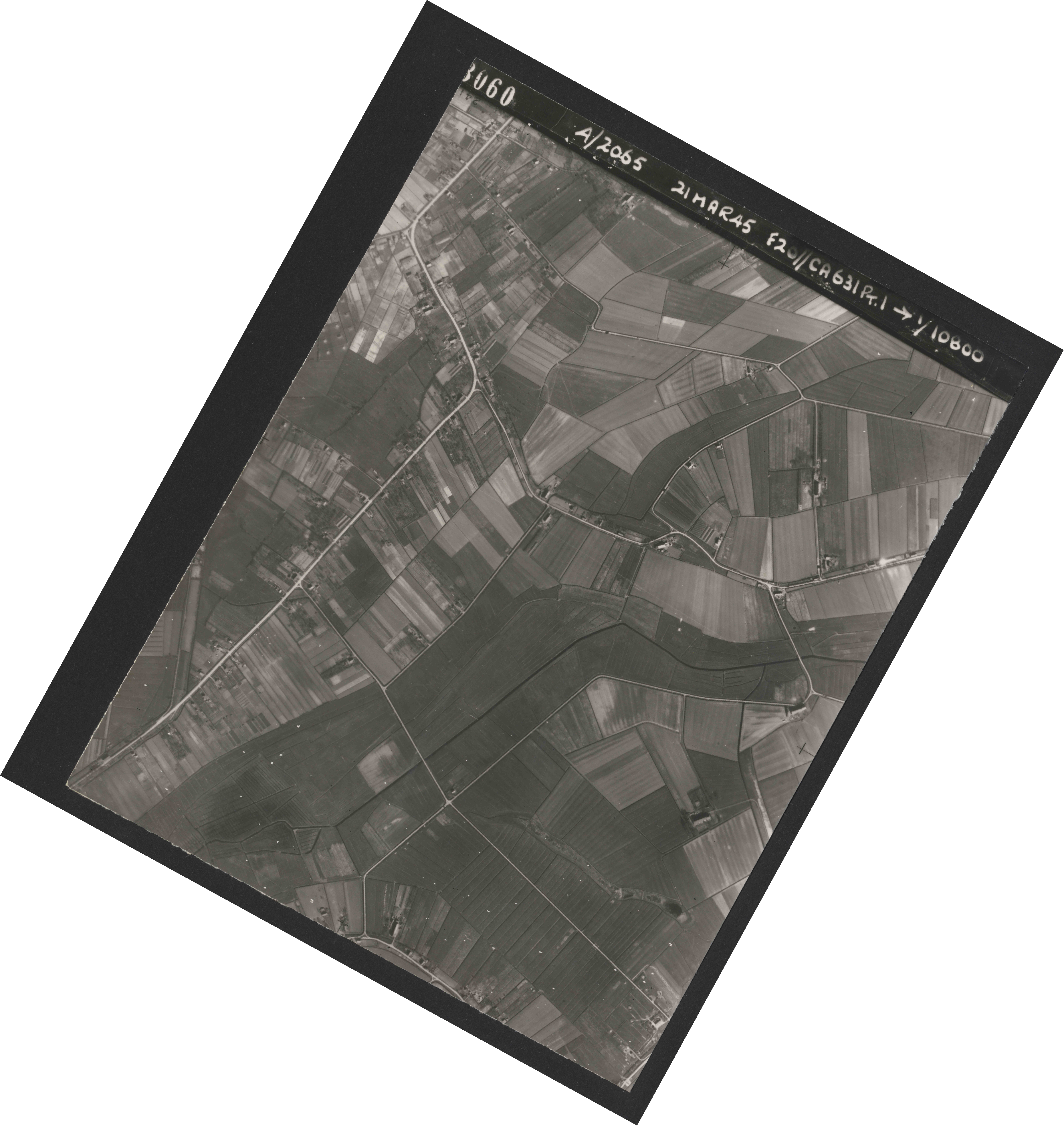 Collection RAF aerial photos 1940-1945 - flight 308, run 01, photo 3060