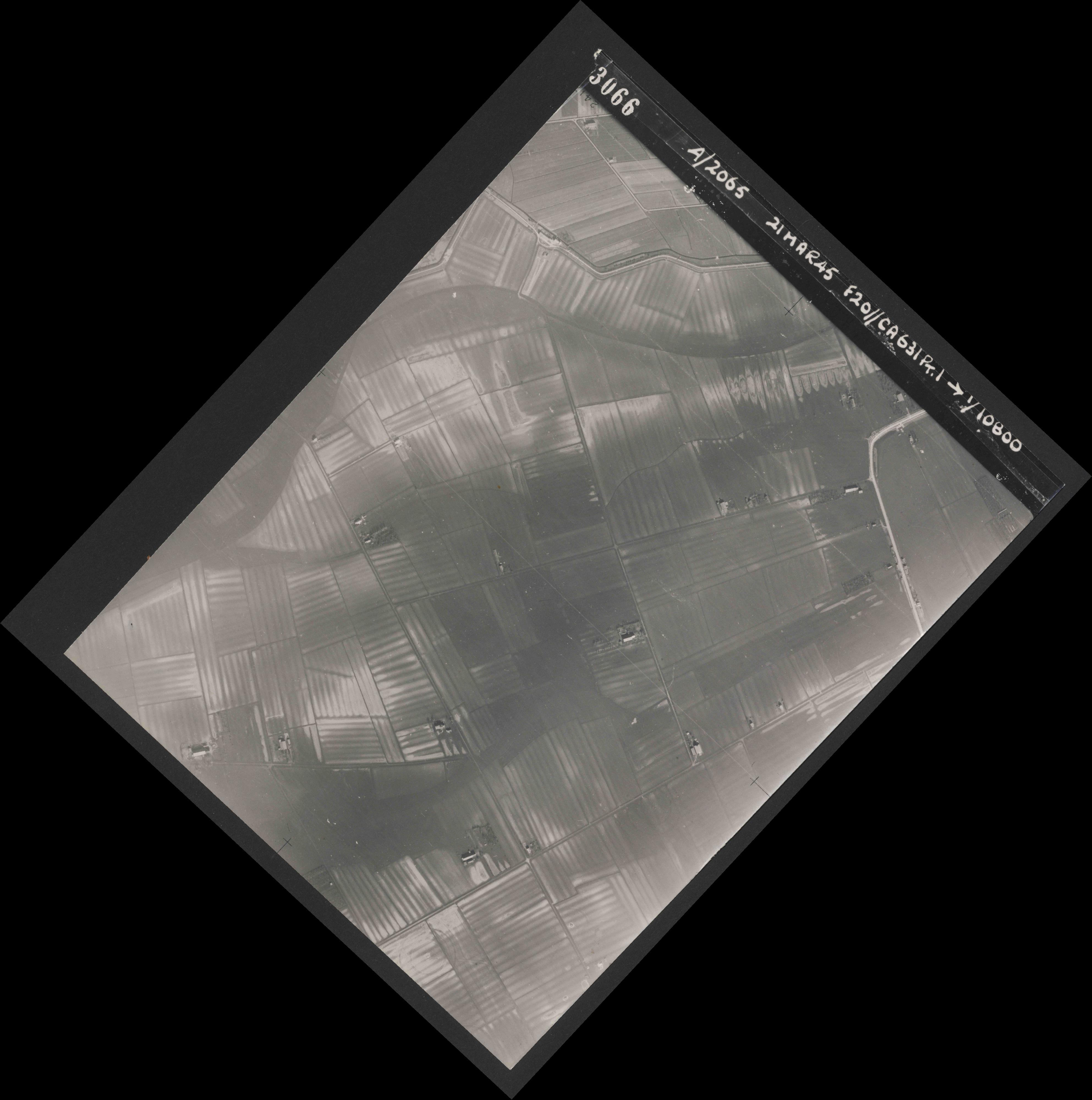 Collection RAF aerial photos 1940-1945 - flight 308, run 01, photo 3066