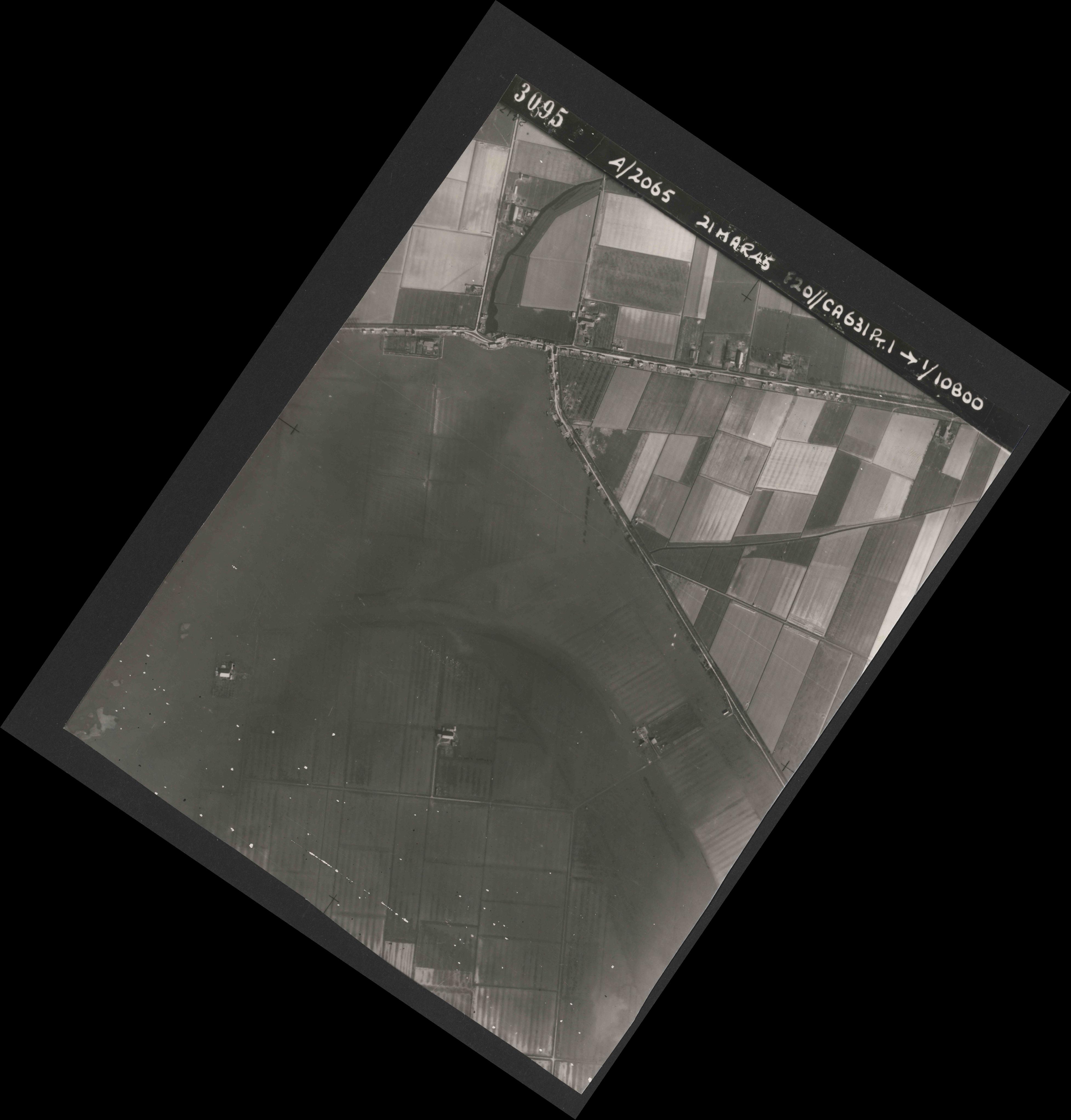 Collection RAF aerial photos 1940-1945 - flight 308, run 03, photo 3095