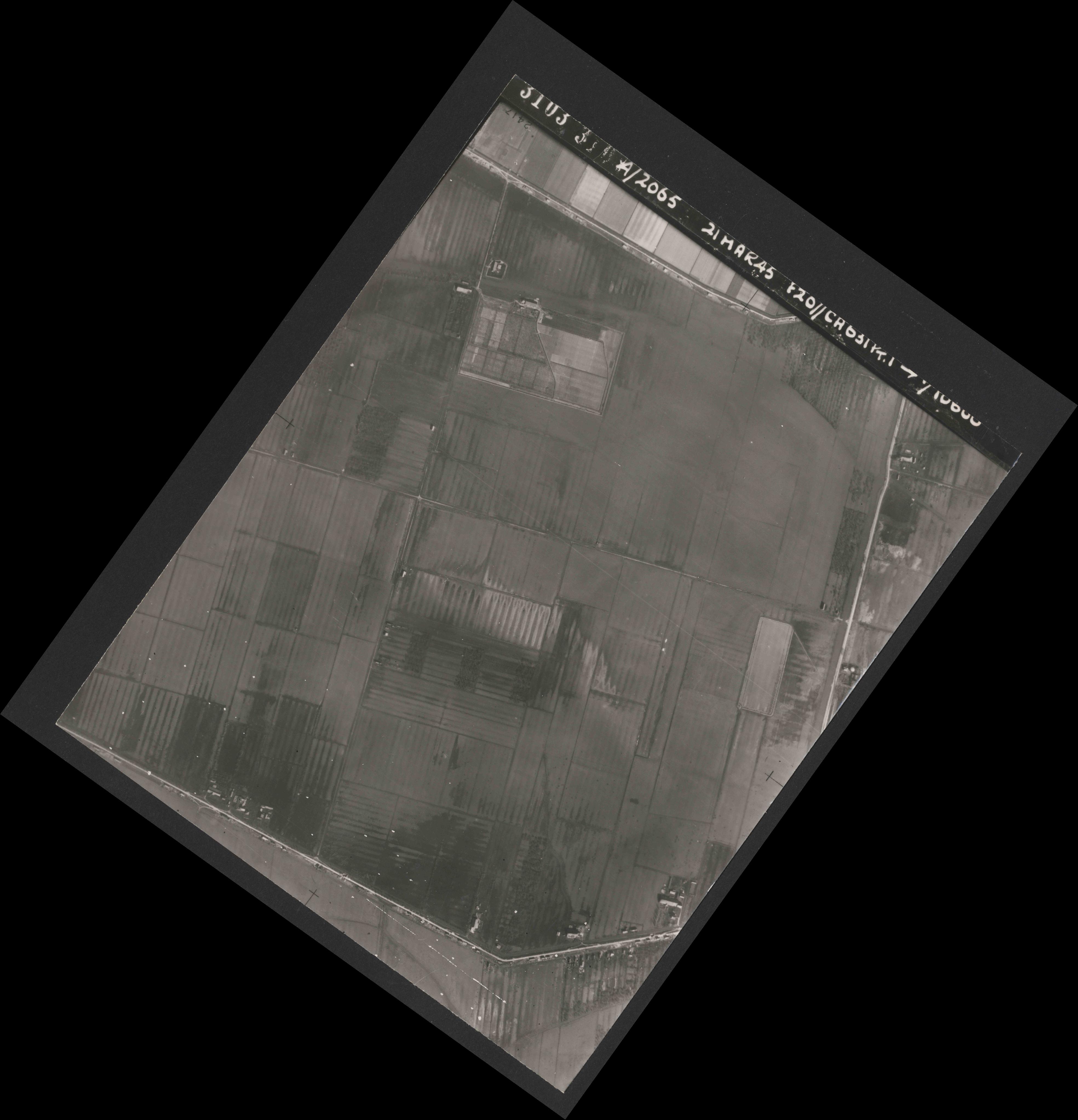 Collection RAF aerial photos 1940-1945 - flight 308, run 03, photo 3103