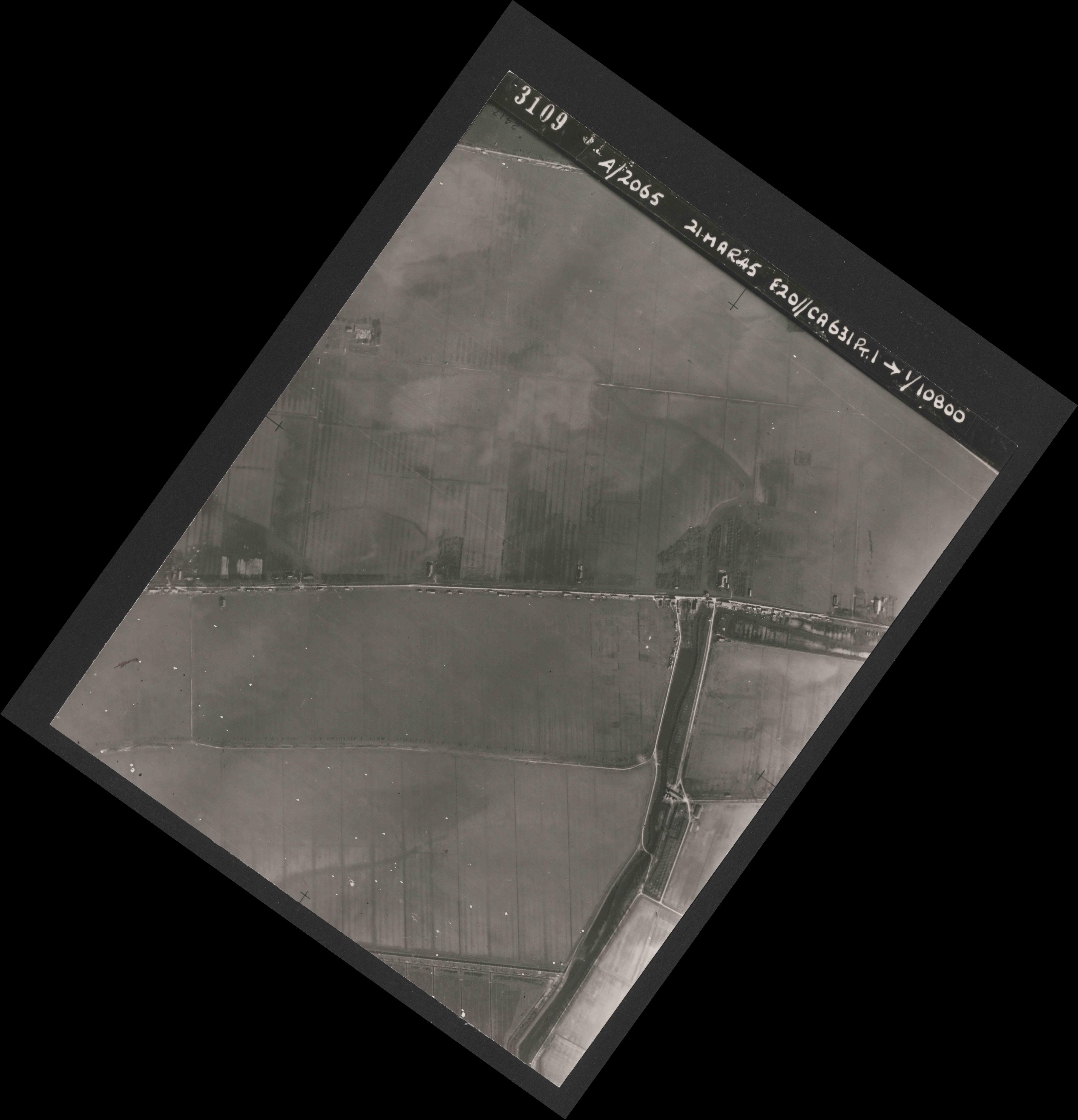Collection RAF aerial photos 1940-1945 - flight 308, run 03, photo 3109