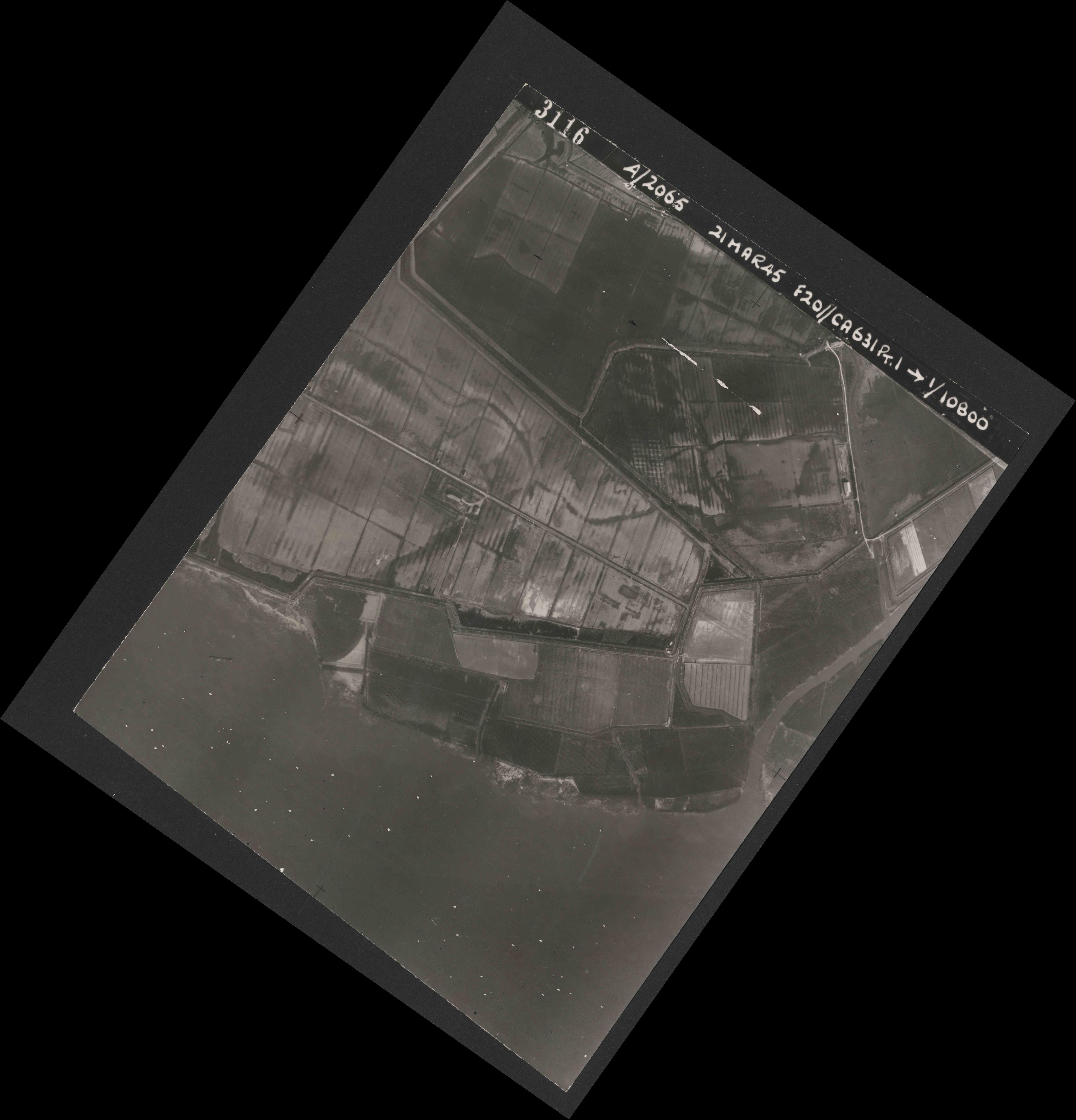 Collection RAF aerial photos 1940-1945 - flight 308, run 03, photo 3116