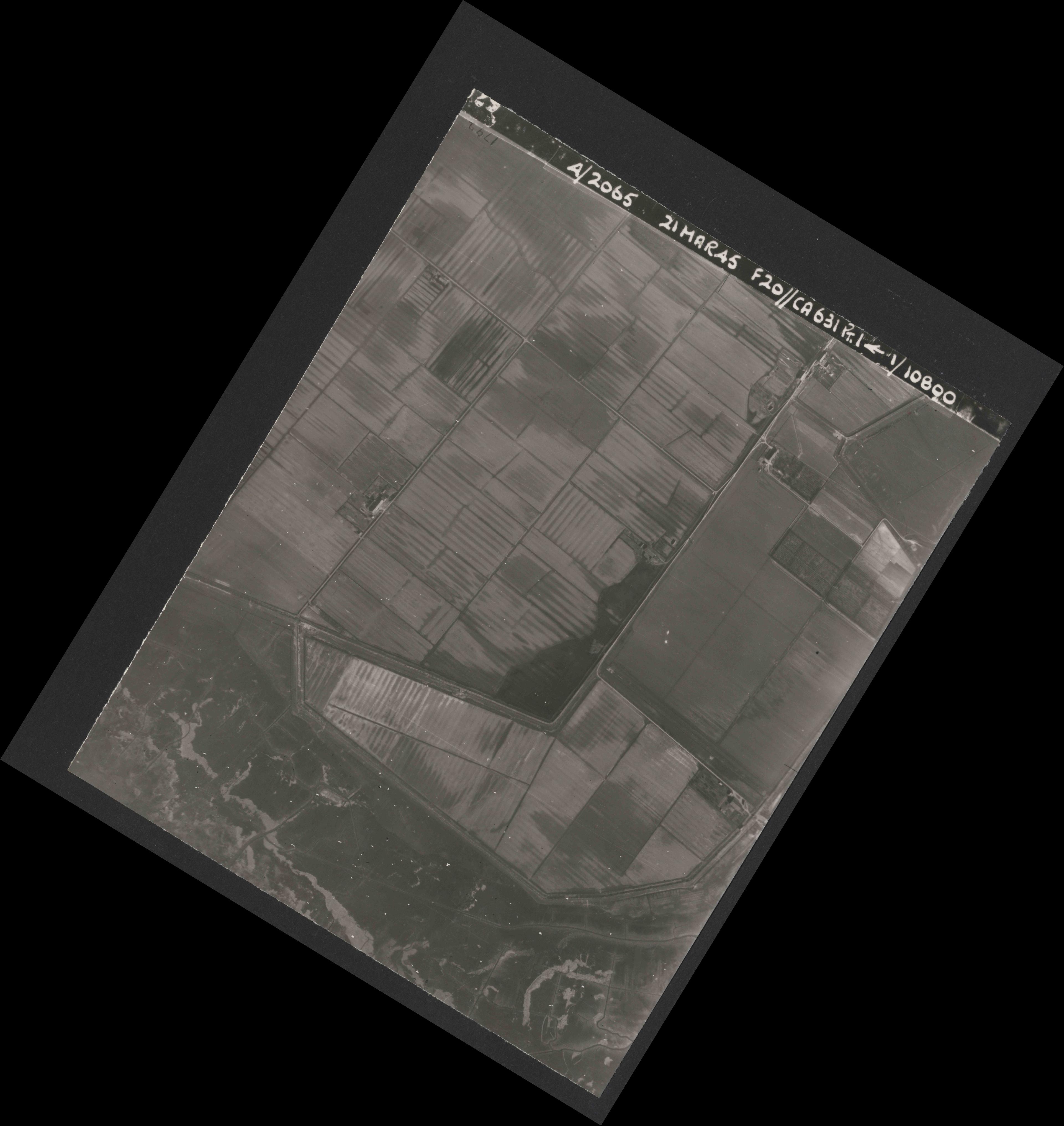 Collection RAF aerial photos 1940-1945 - flight 308, run 04, photo 4029