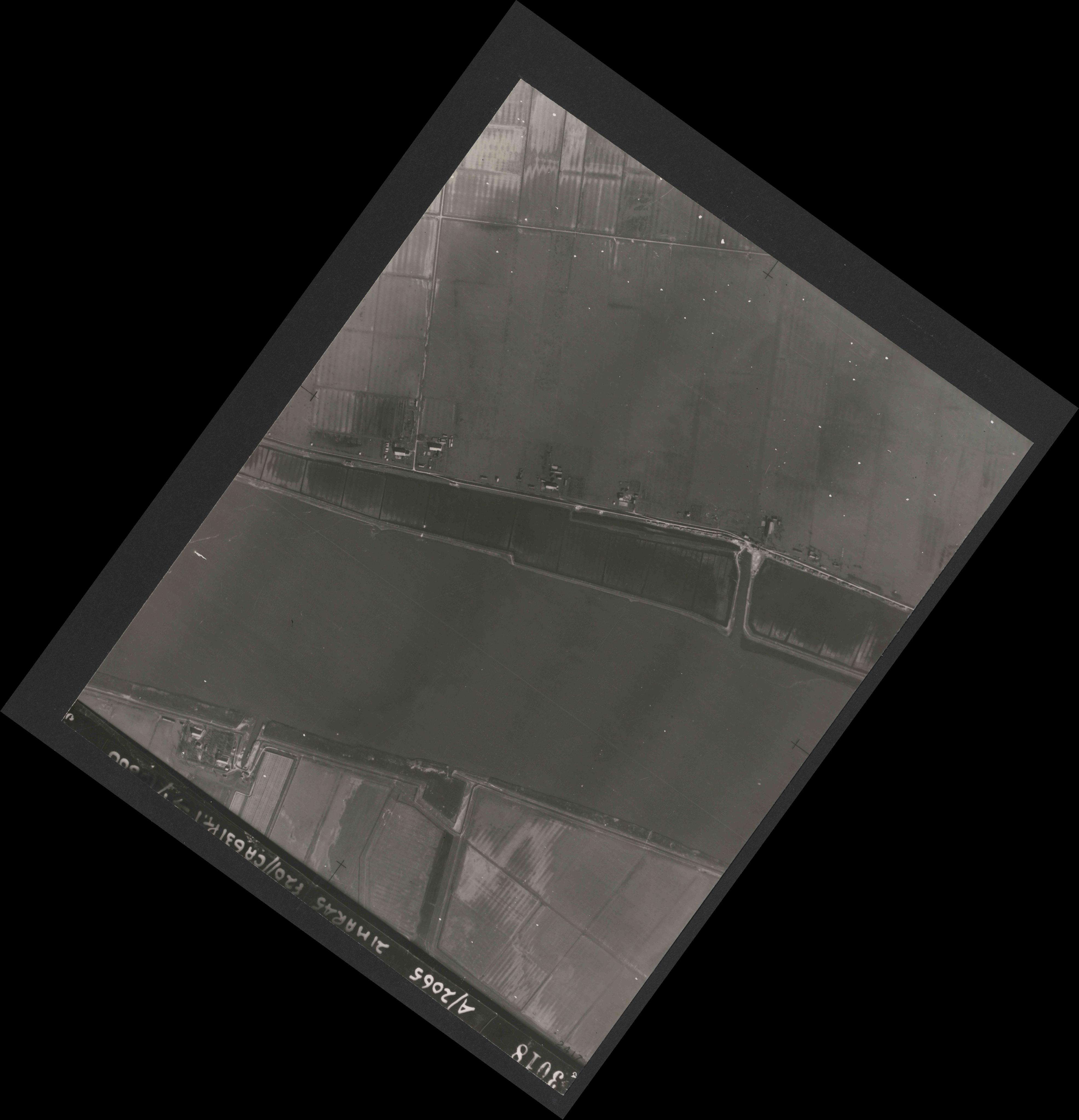 Collection RAF aerial photos 1940-1945 - flight 308, run 05, photo 3018
