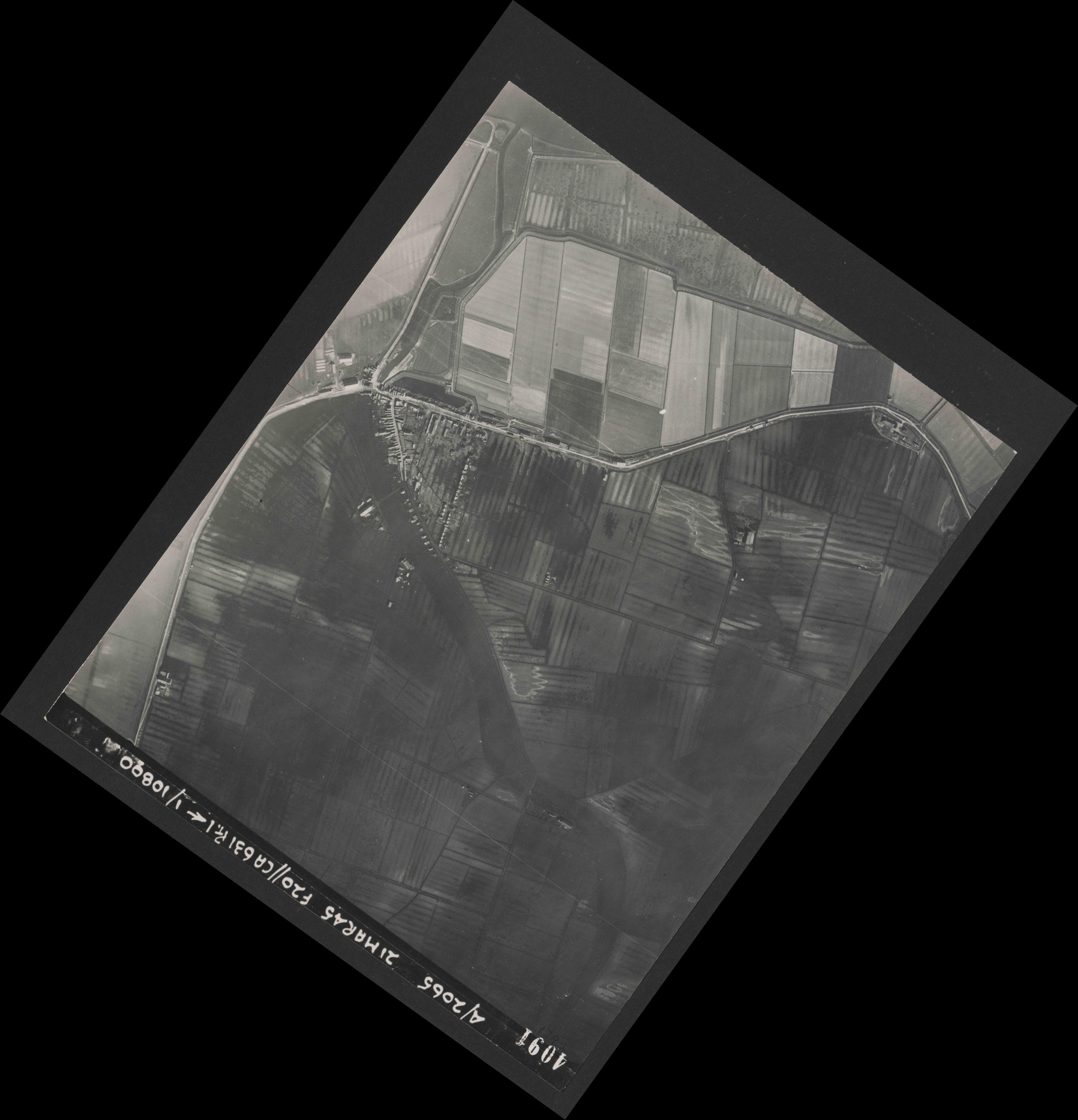 Collection RAF aerial photos 1940-1945 - flight 308, run 06, photo 4091