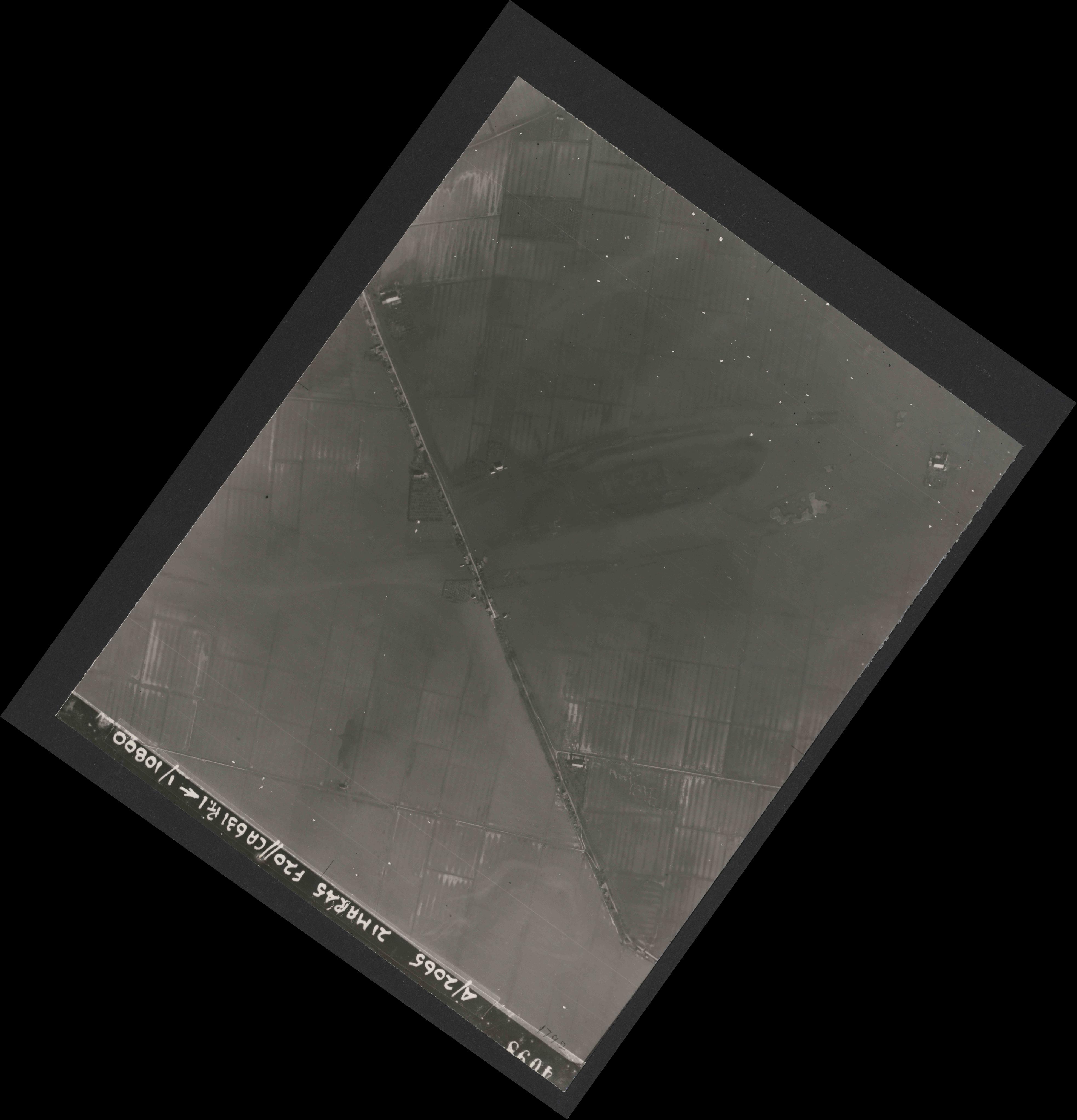 Collection RAF aerial photos 1940-1945 - flight 308, run 06, photo 4098