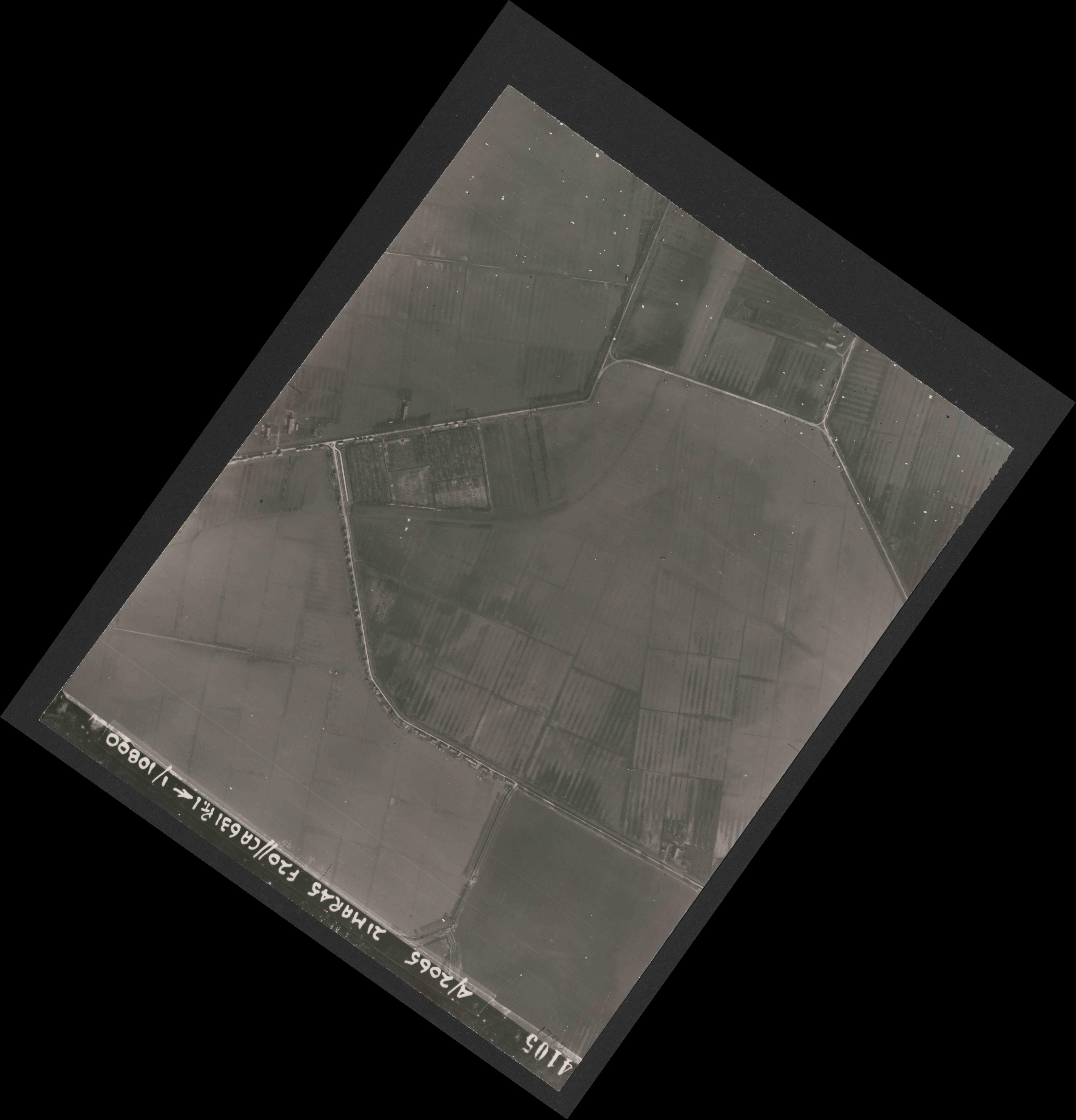 Collection RAF aerial photos 1940-1945 - flight 308, run 06, photo 4105