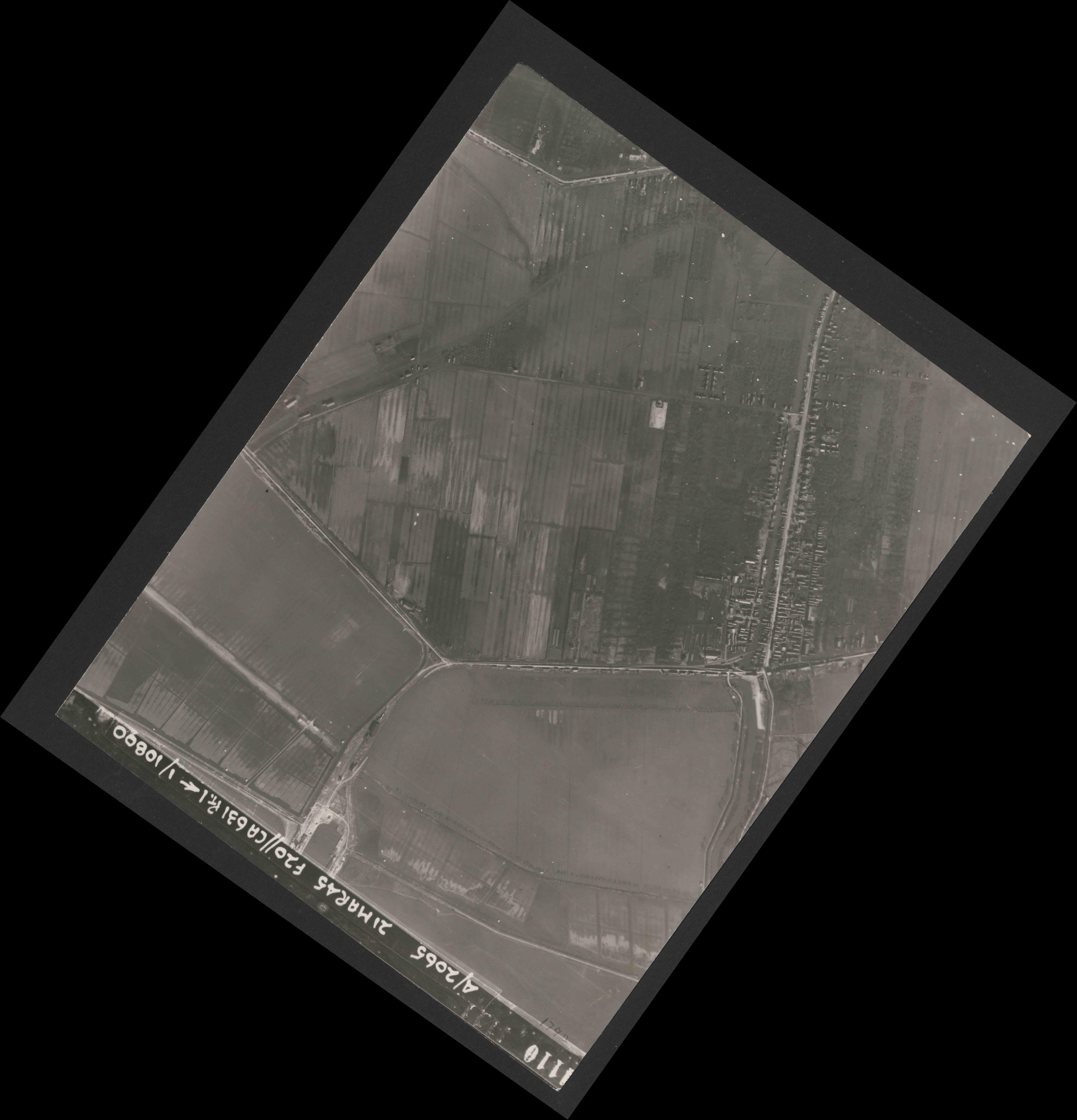 Collection RAF aerial photos 1940-1945 - flight 308, run 06, photo 4110