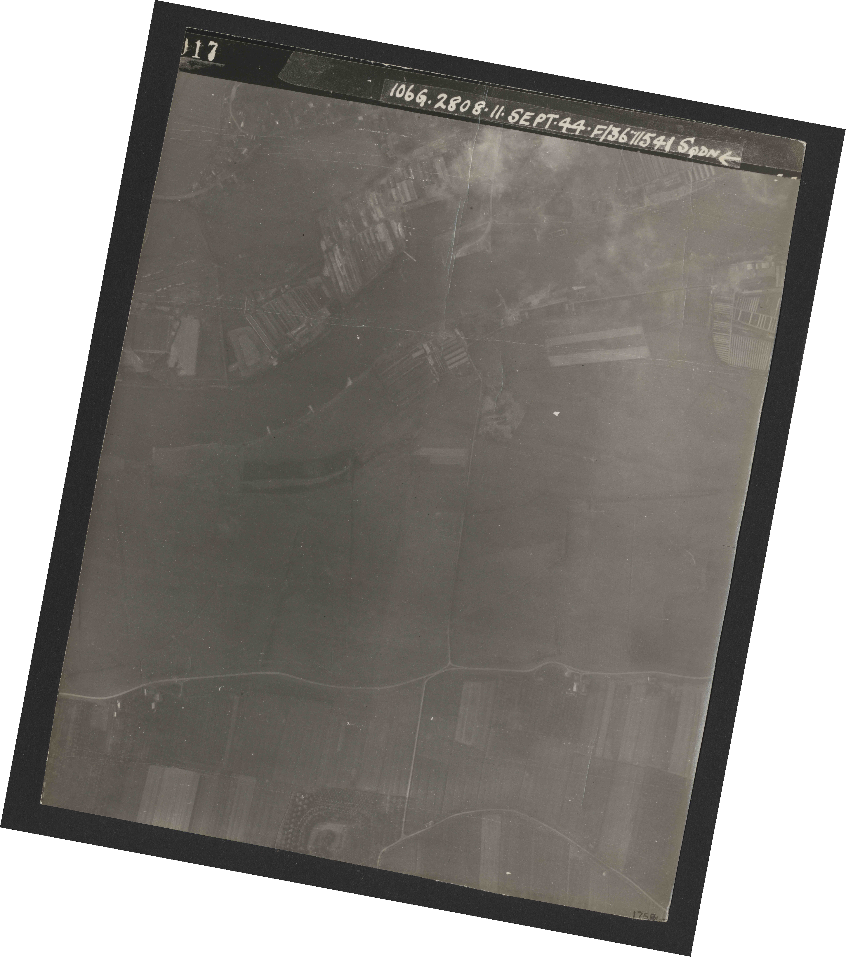 Collection RAF aerial photos 1940-1945 - flight 312, run 01, photo 3017