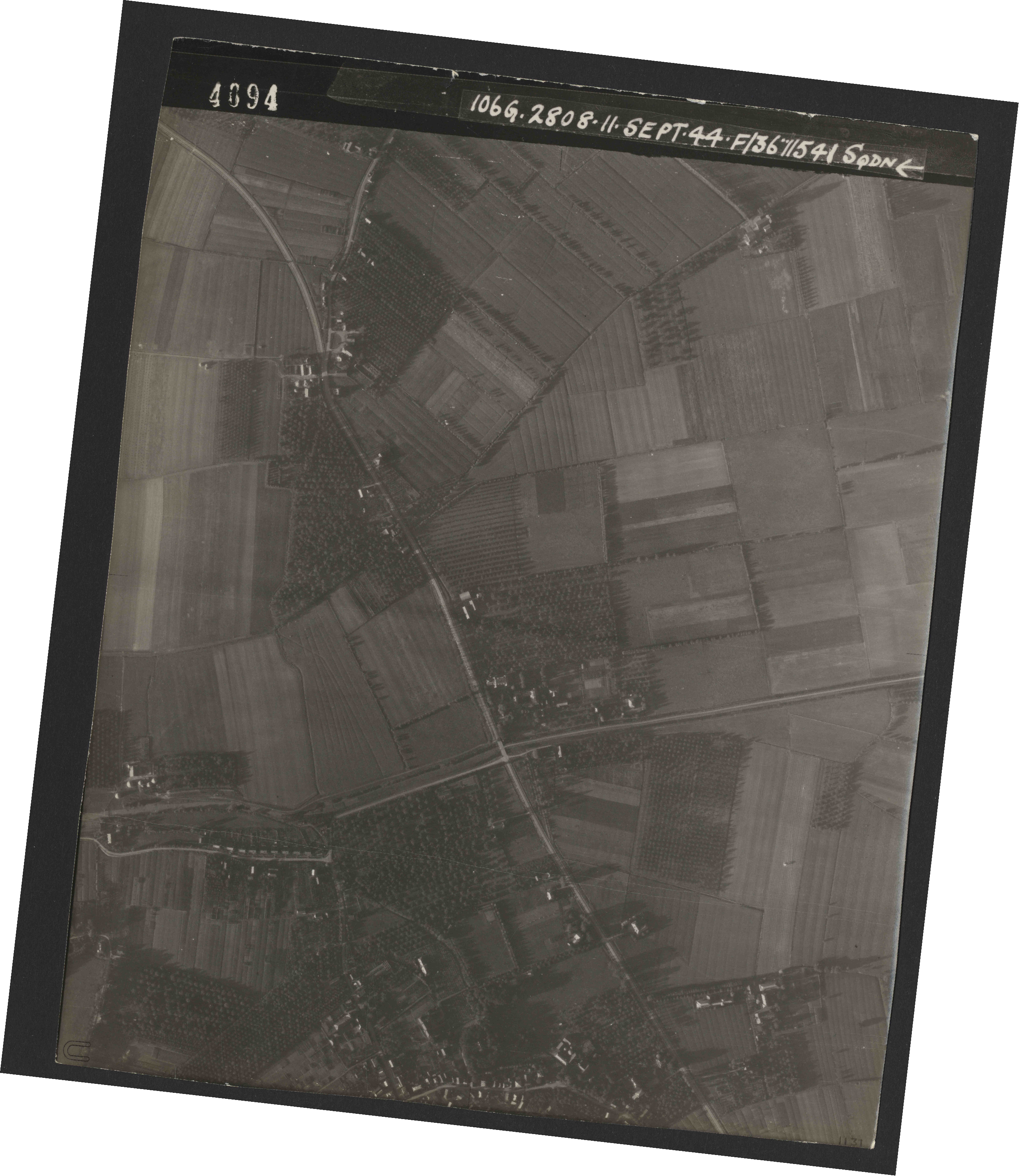 Collection RAF aerial photos 1940-1945 - flight 312, run 03, photo 4094