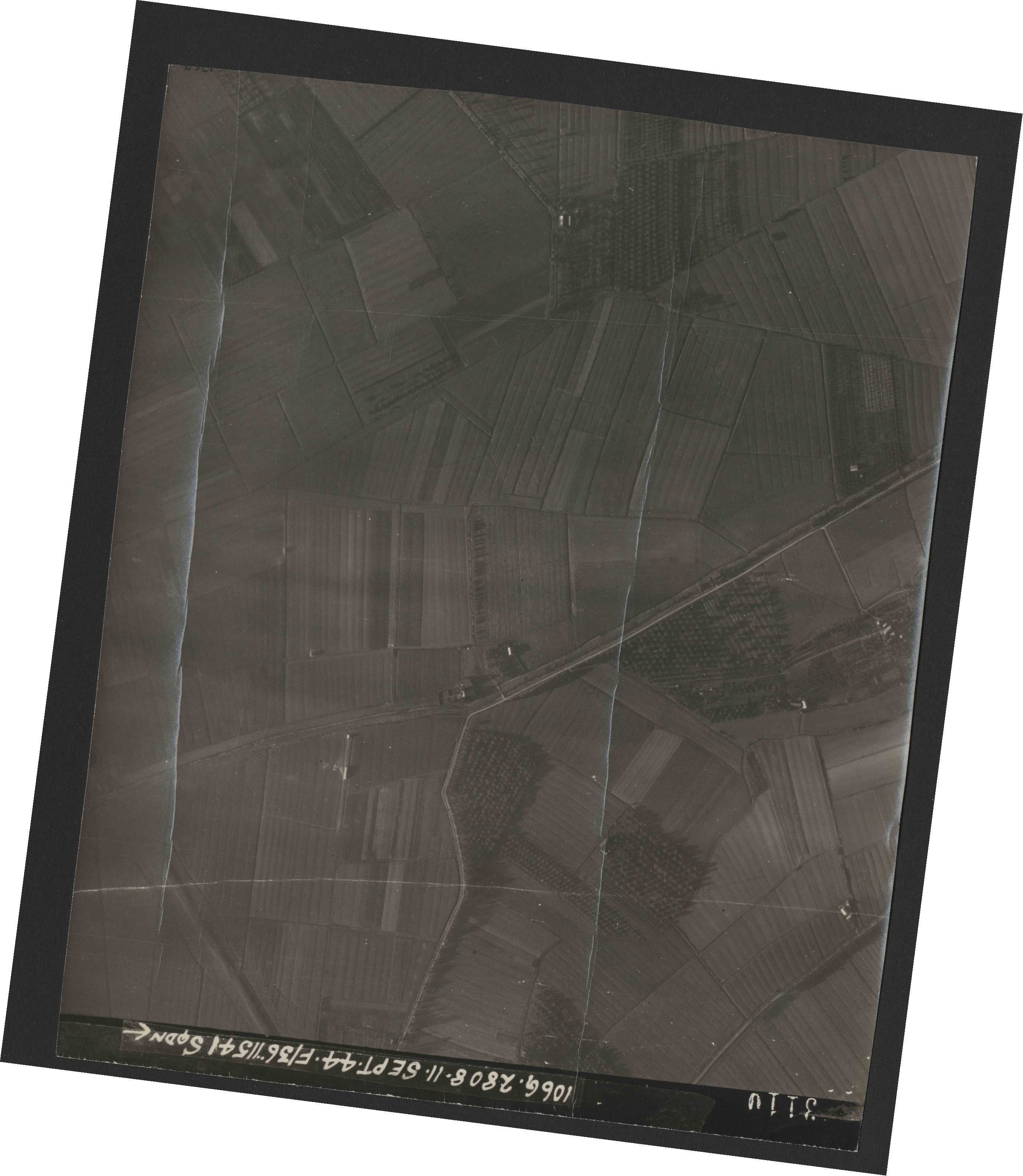 Collection RAF aerial photos 1940-1945 - flight 312, run 04, photo 3110