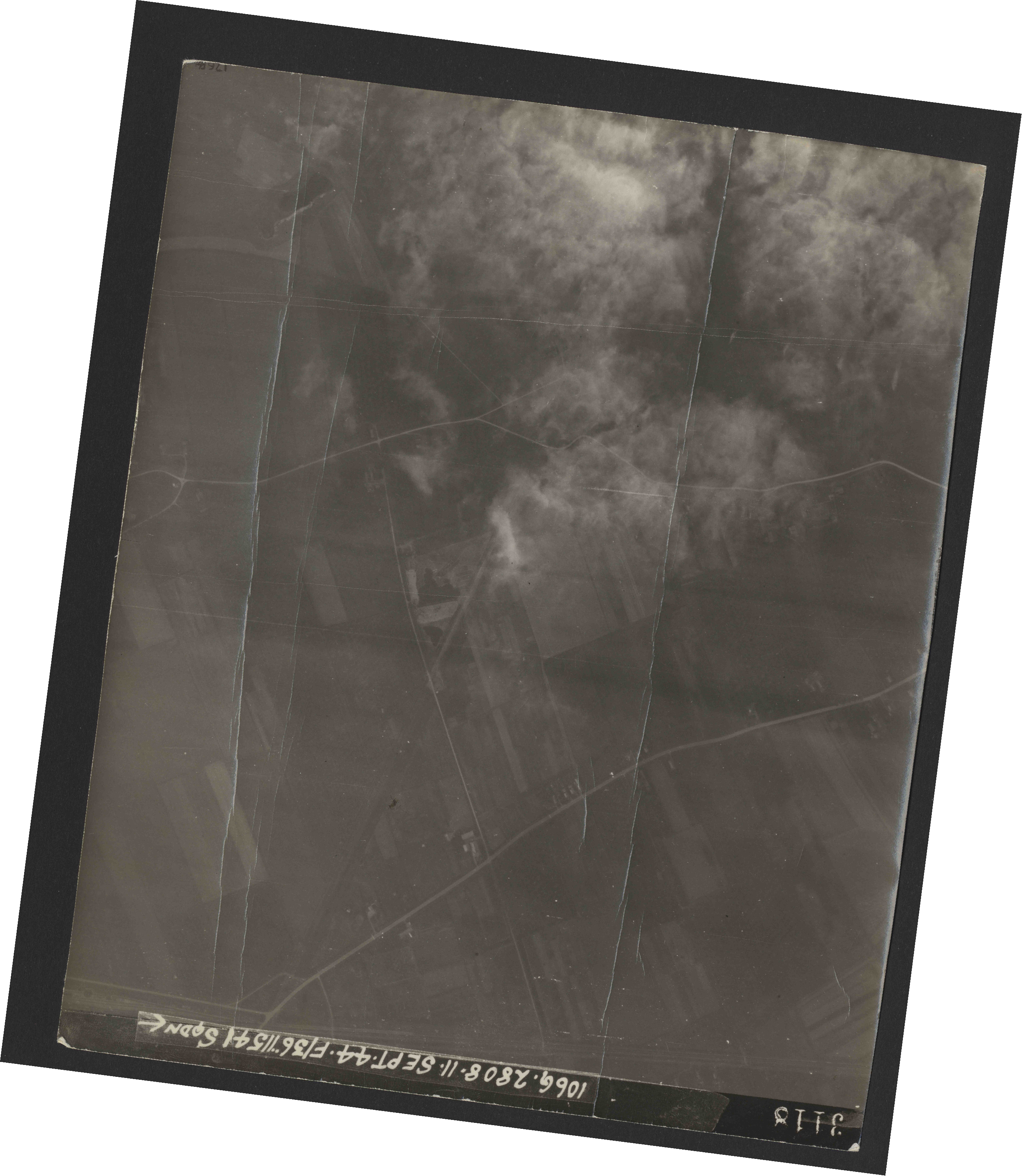Collection RAF aerial photos 1940-1945 - flight 312, run 04, photo 3117