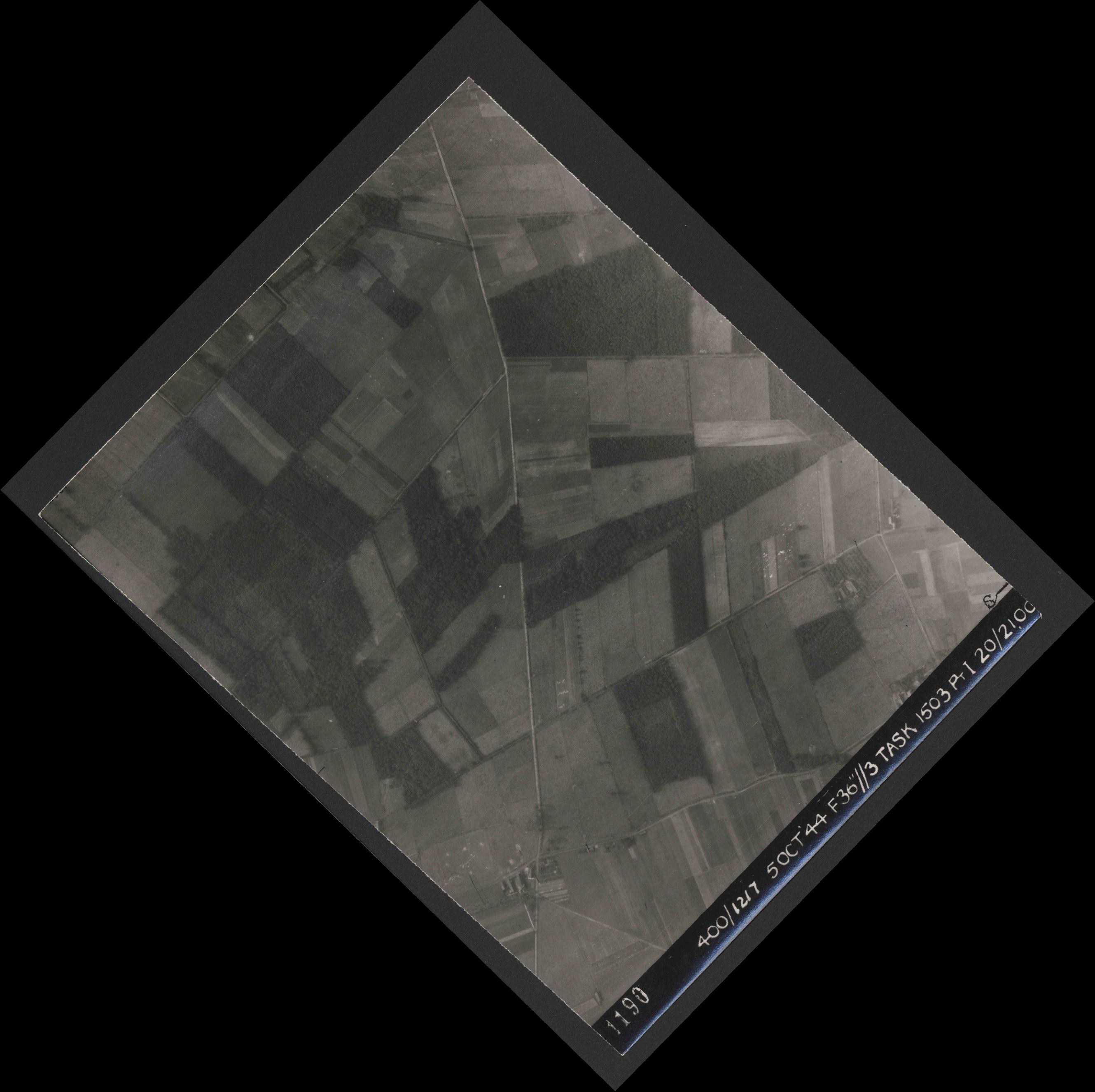 Collection RAF aerial photos 1940-1945 - flight 316, run 01, photo 4190