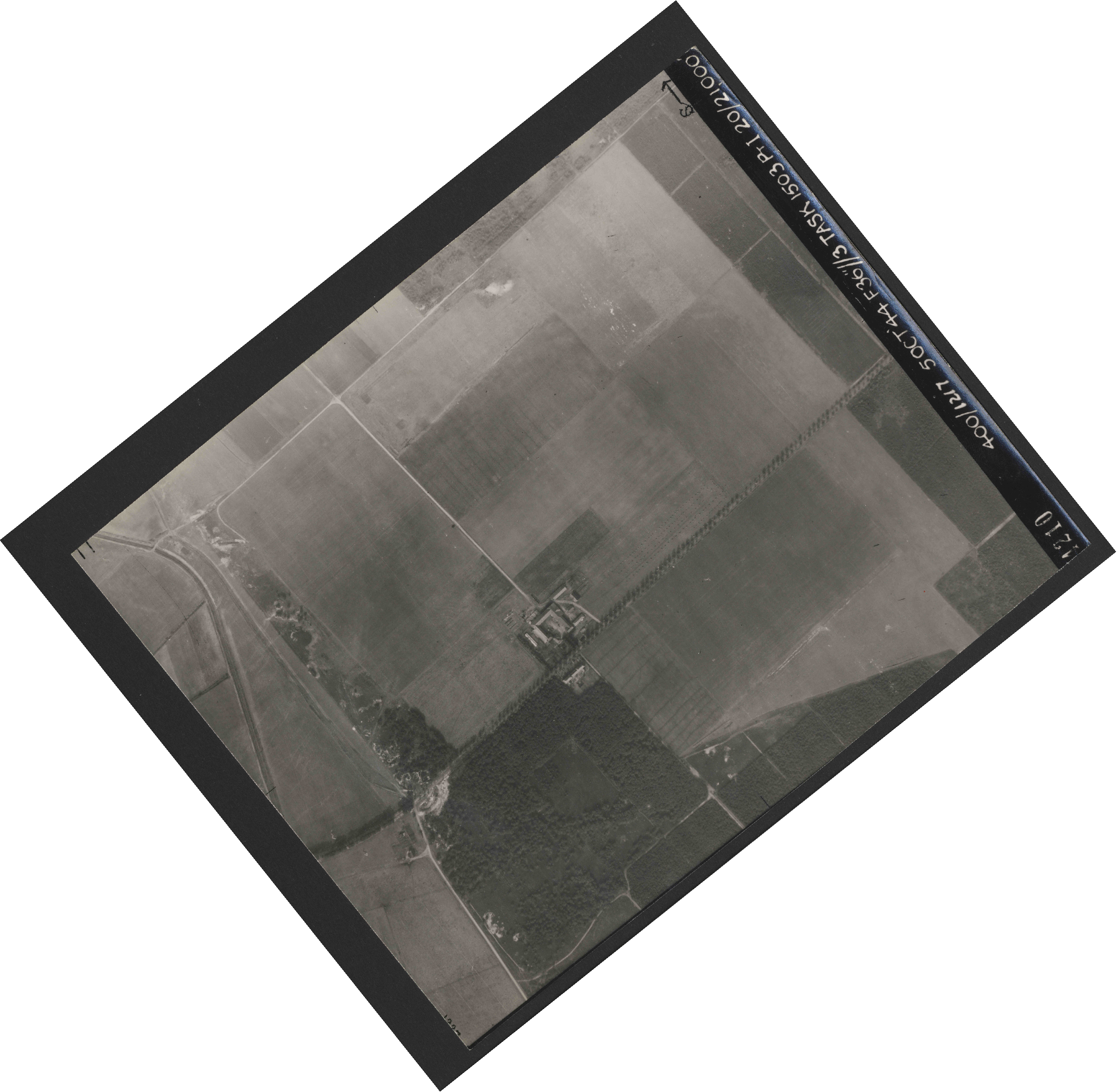 Collection RAF aerial photos 1940-1945 - flight 316, run 02, photo 4210