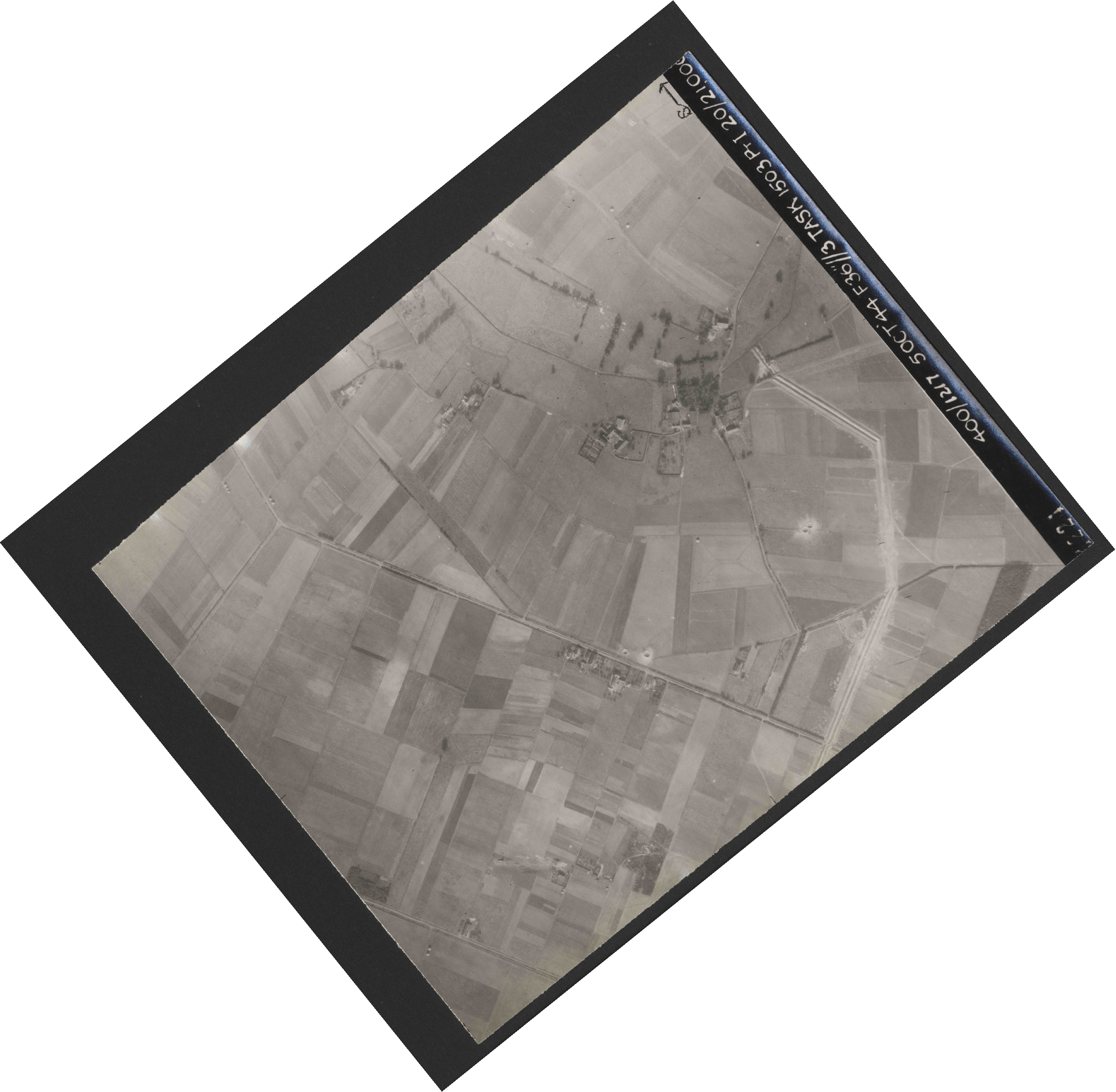 Collection RAF aerial photos 1940-1945 - flight 316, run 02, photo 4224