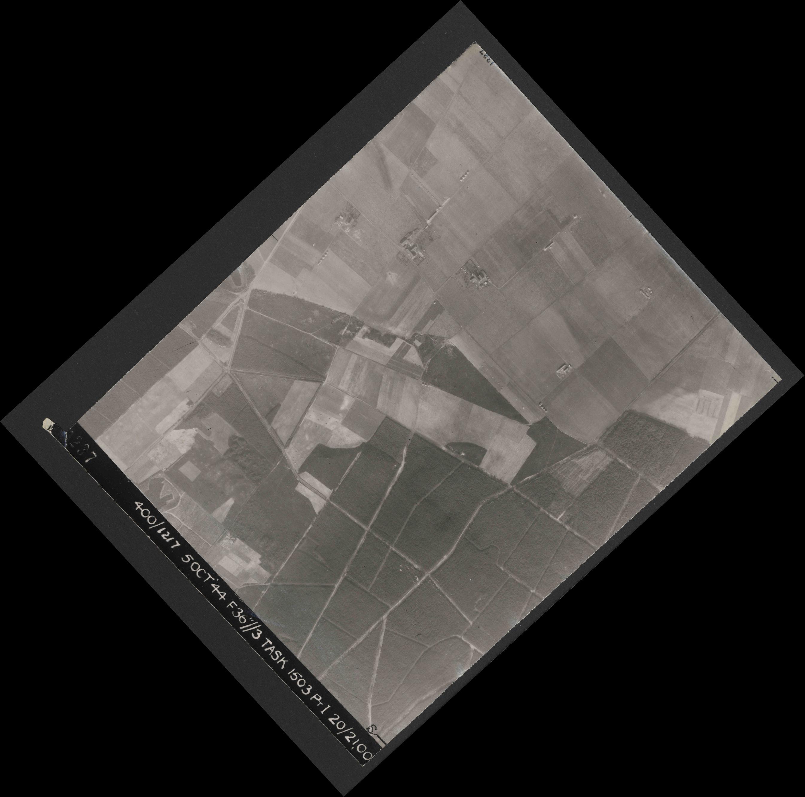 Collection RAF aerial photos 1940-1945 - flight 316, run 03, photo 4237