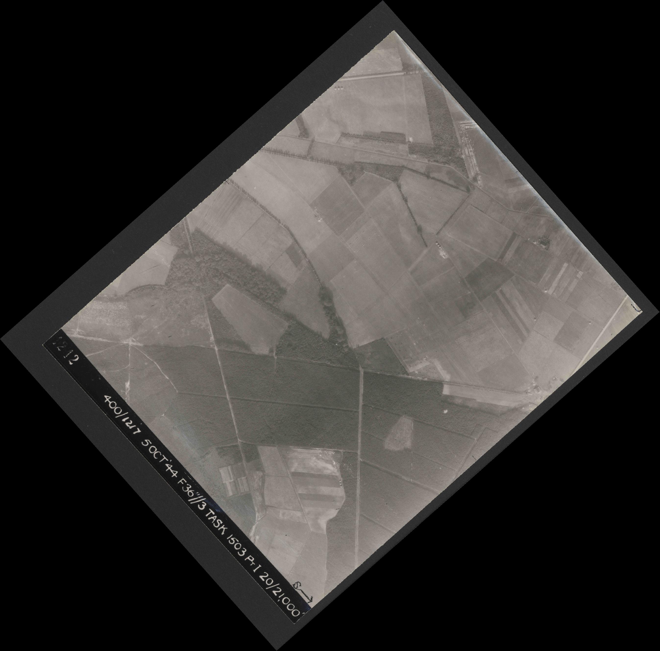Collection RAF aerial photos 1940-1945 - flight 316, run 03, photo 4242