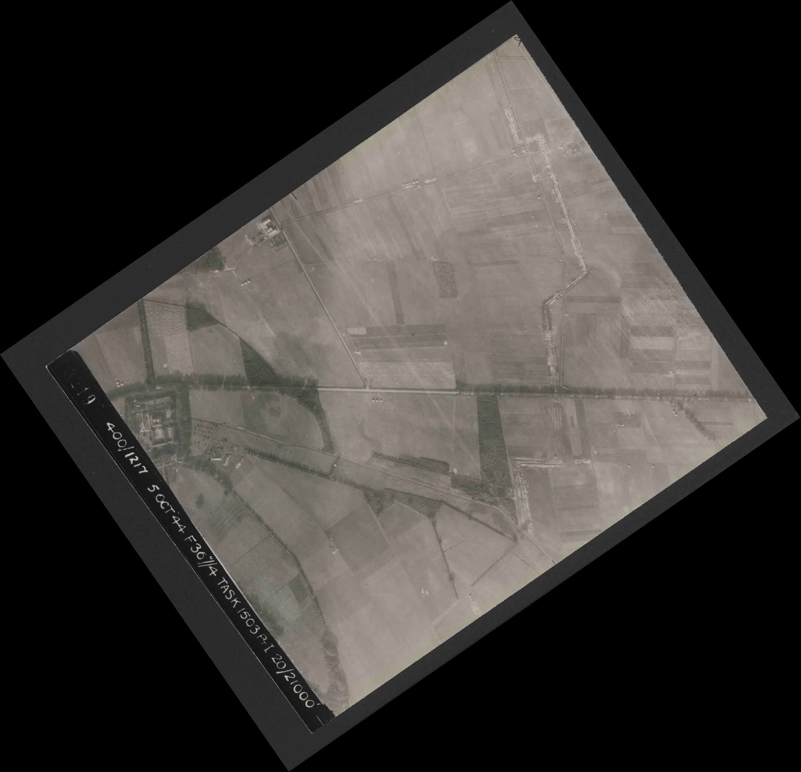 Collection RAF aerial photos 1940-1945 - flight 316, run 08, photo 3219