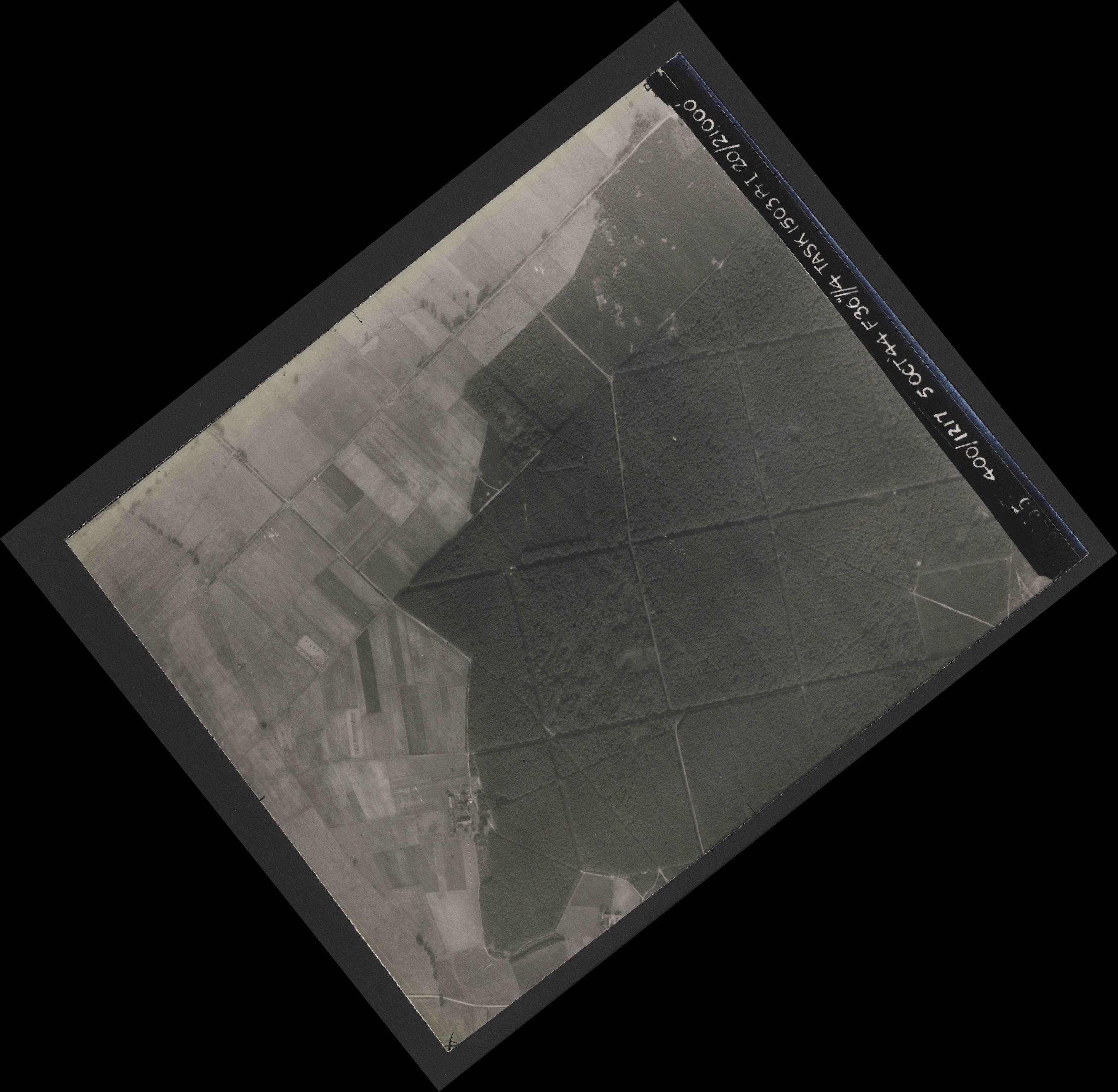 Collection RAF aerial photos 1940-1945 - flight 316, run 09, photo 3255