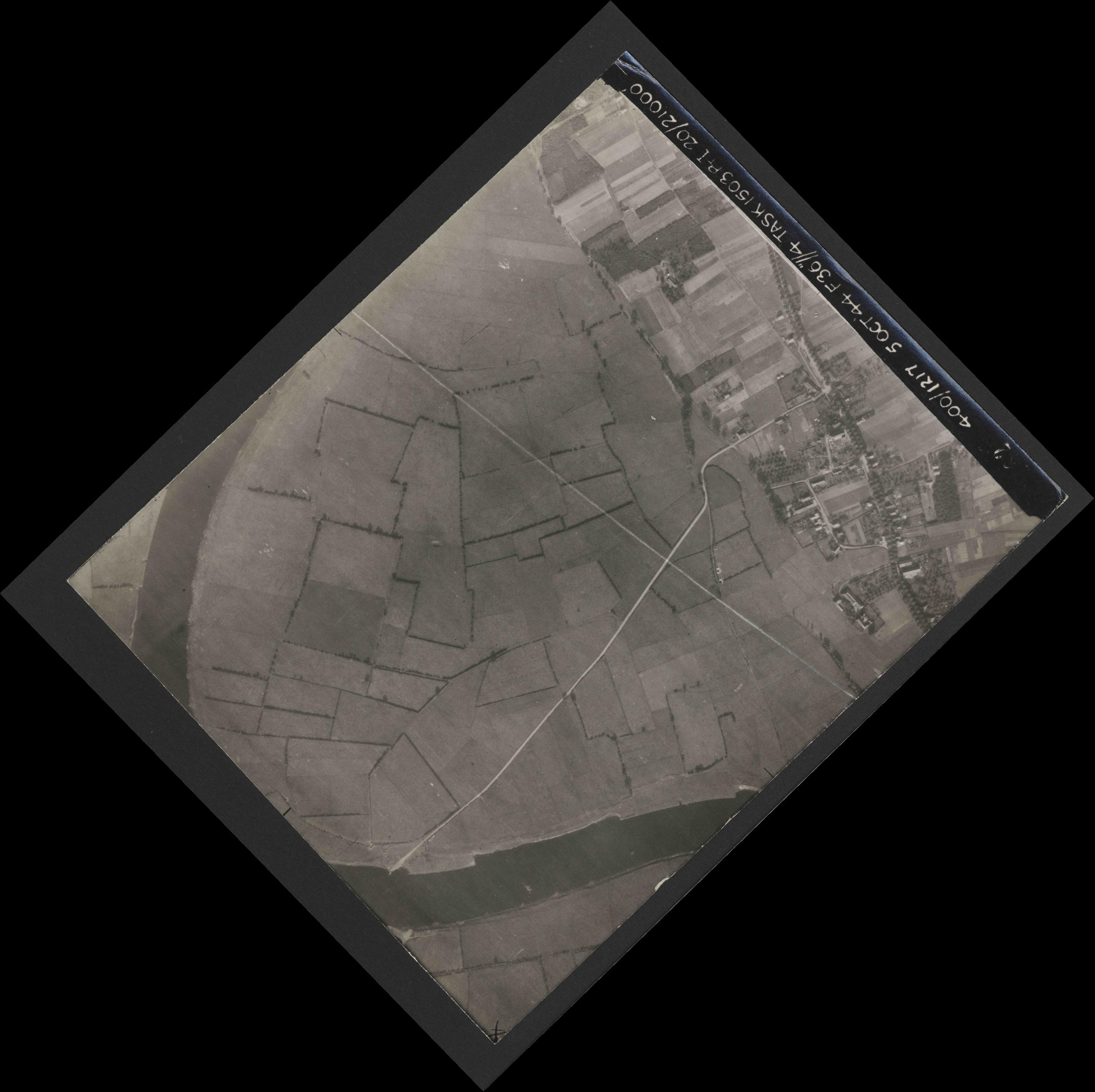 Collection RAF aerial photos 1940-1945 - flight 316, run 10, photo 3262