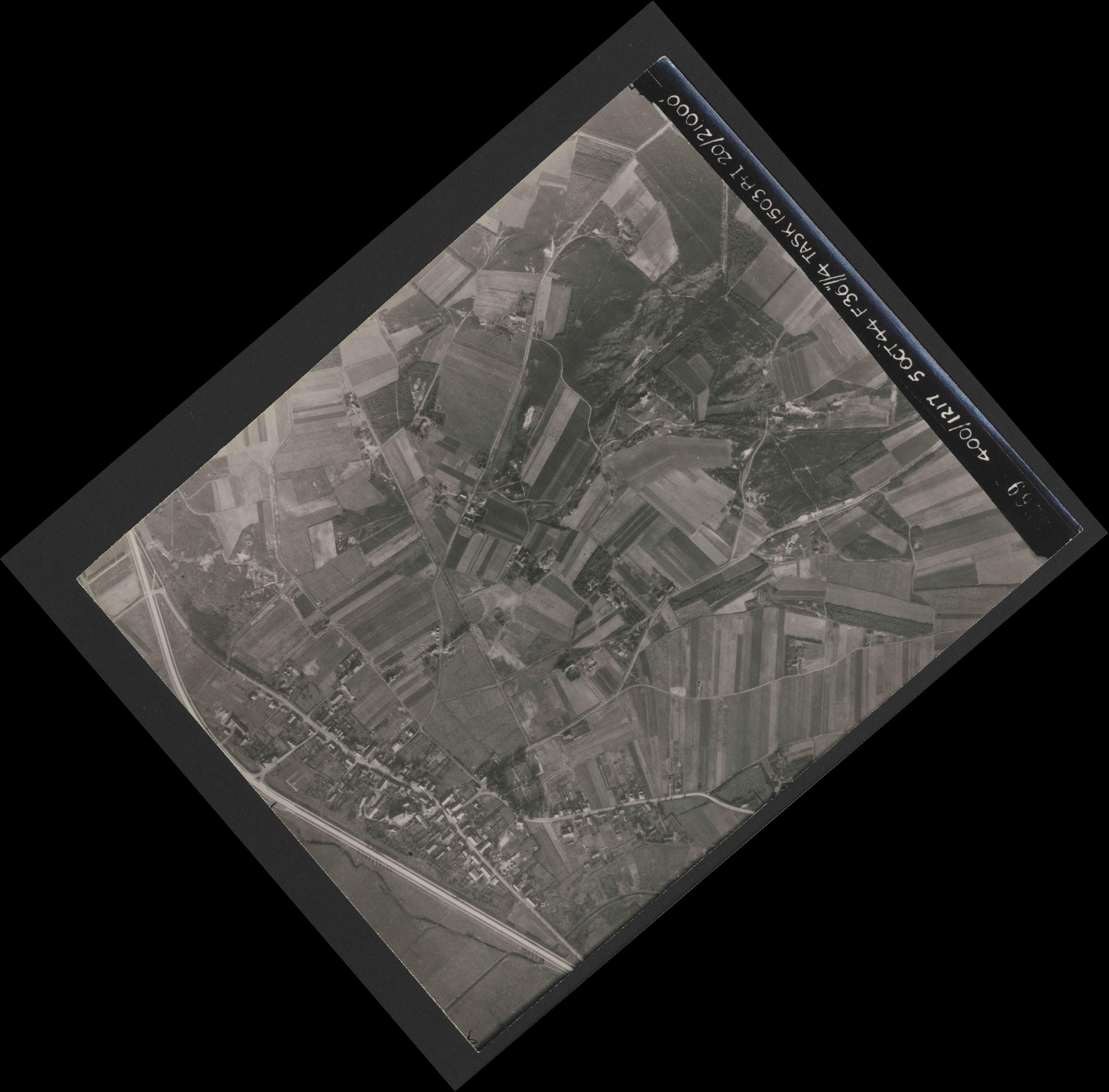 Collection RAF aerial photos 1940-1945 - flight 316, run 10, photo 3269