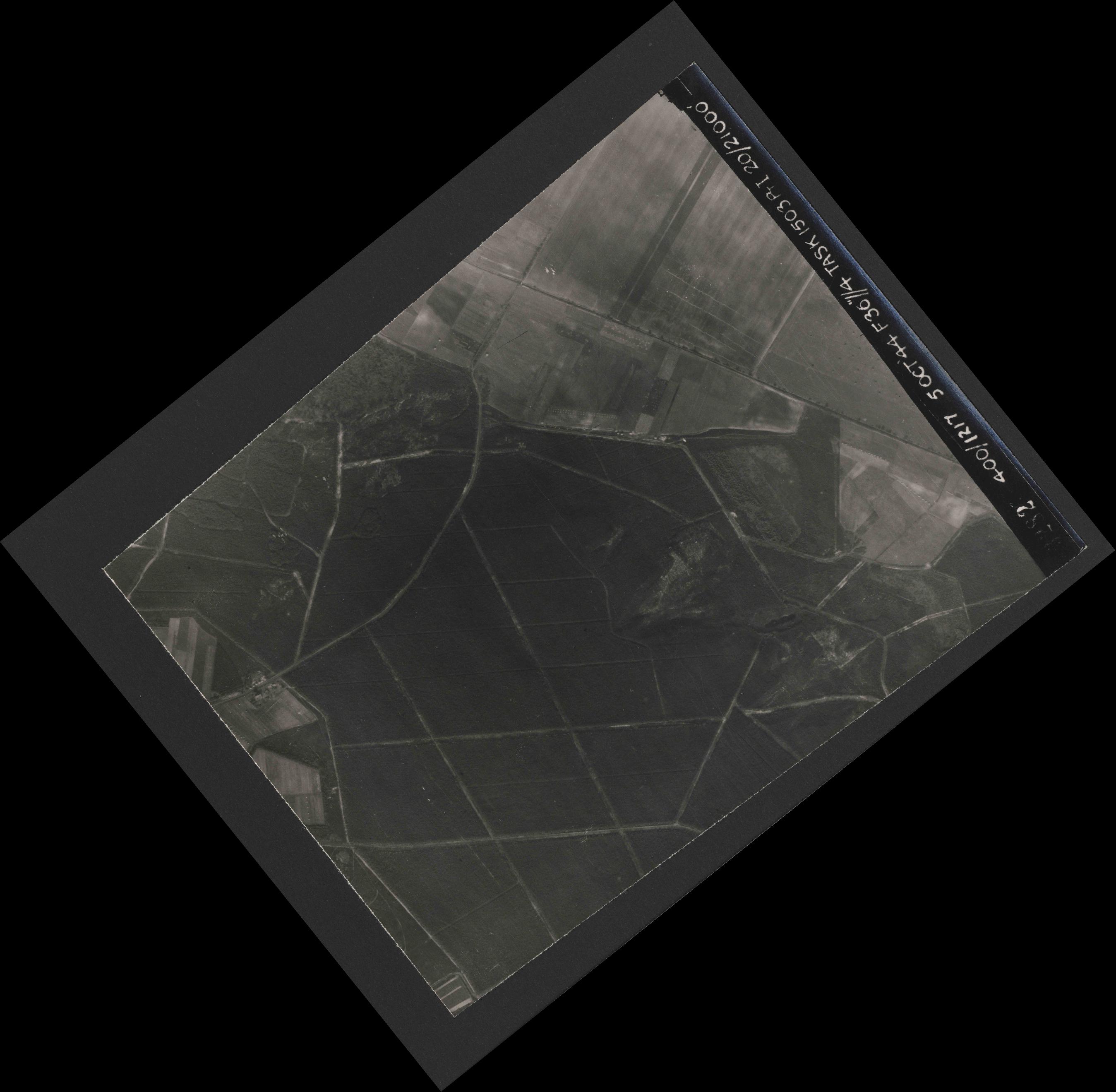 Collection RAF aerial photos 1940-1945 - flight 316, run 10, photo 3281