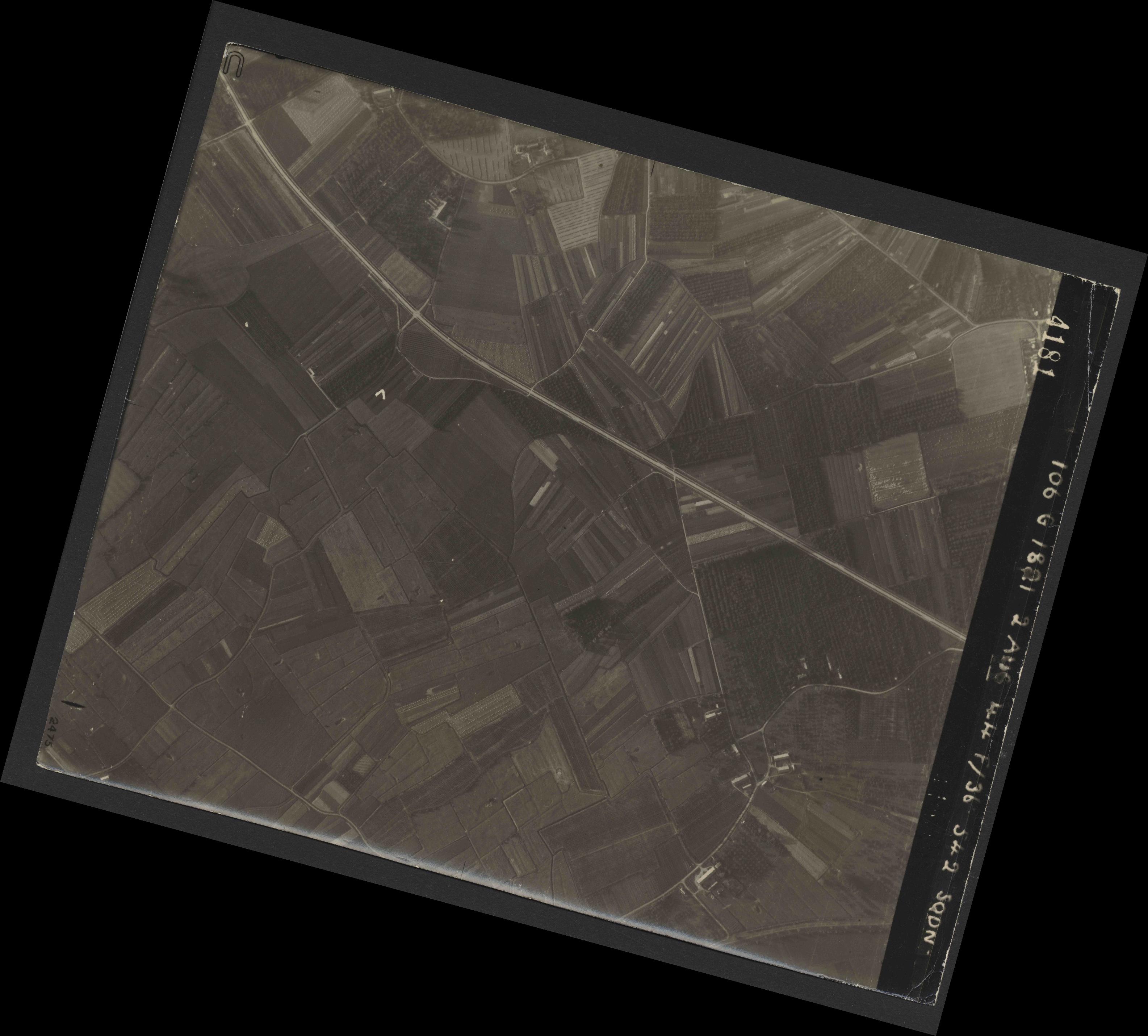 Collection RAF aerial photos 1940-1945 - flight 317, run 01, photo 4181