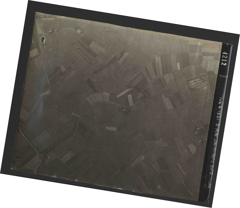 Collection RAF aerial photos 1940-1945 - flight 317, run 03, photo 4212