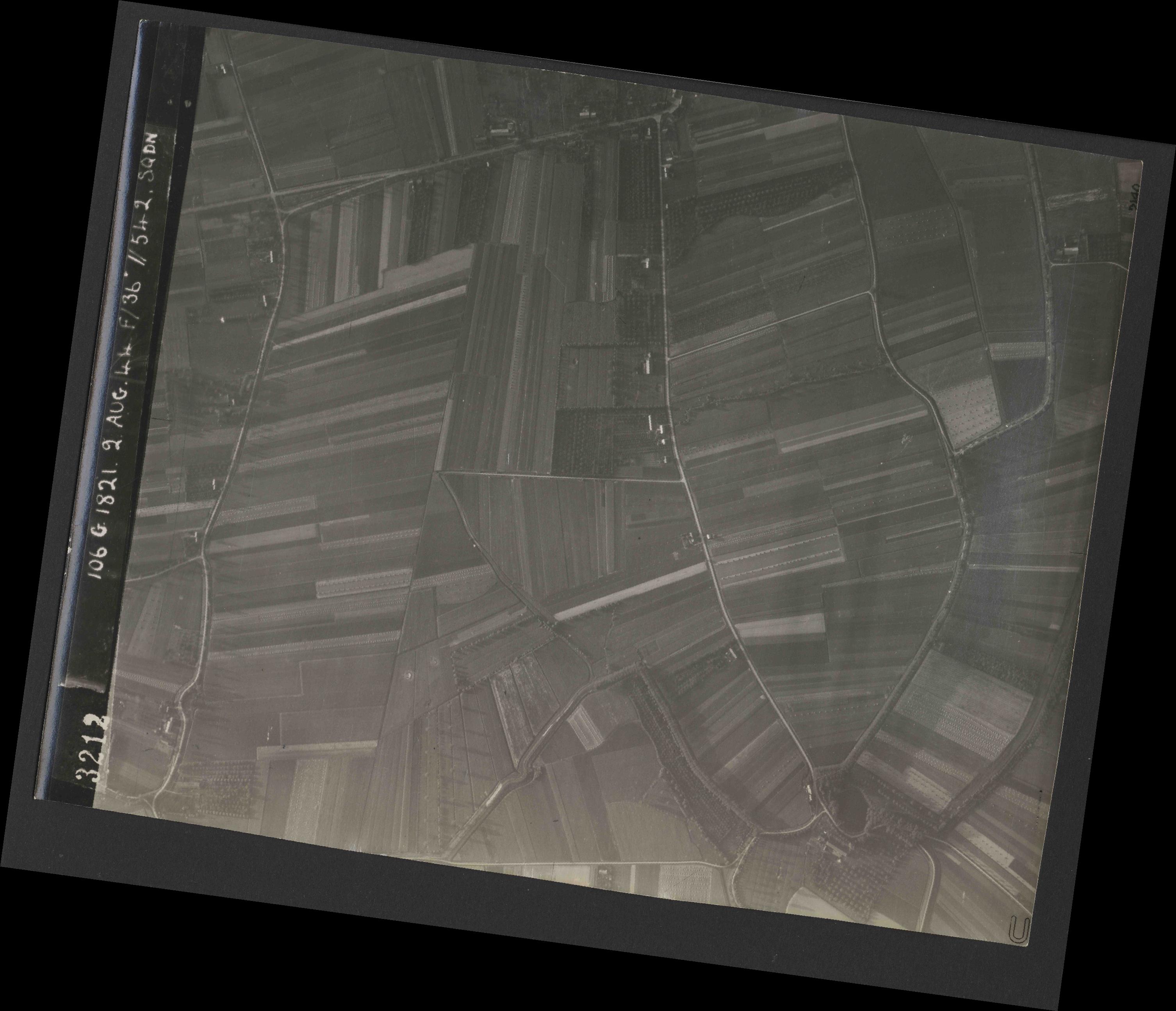 Collection RAF aerial photos 1940-1945 - flight 317, run 05, photo 3212