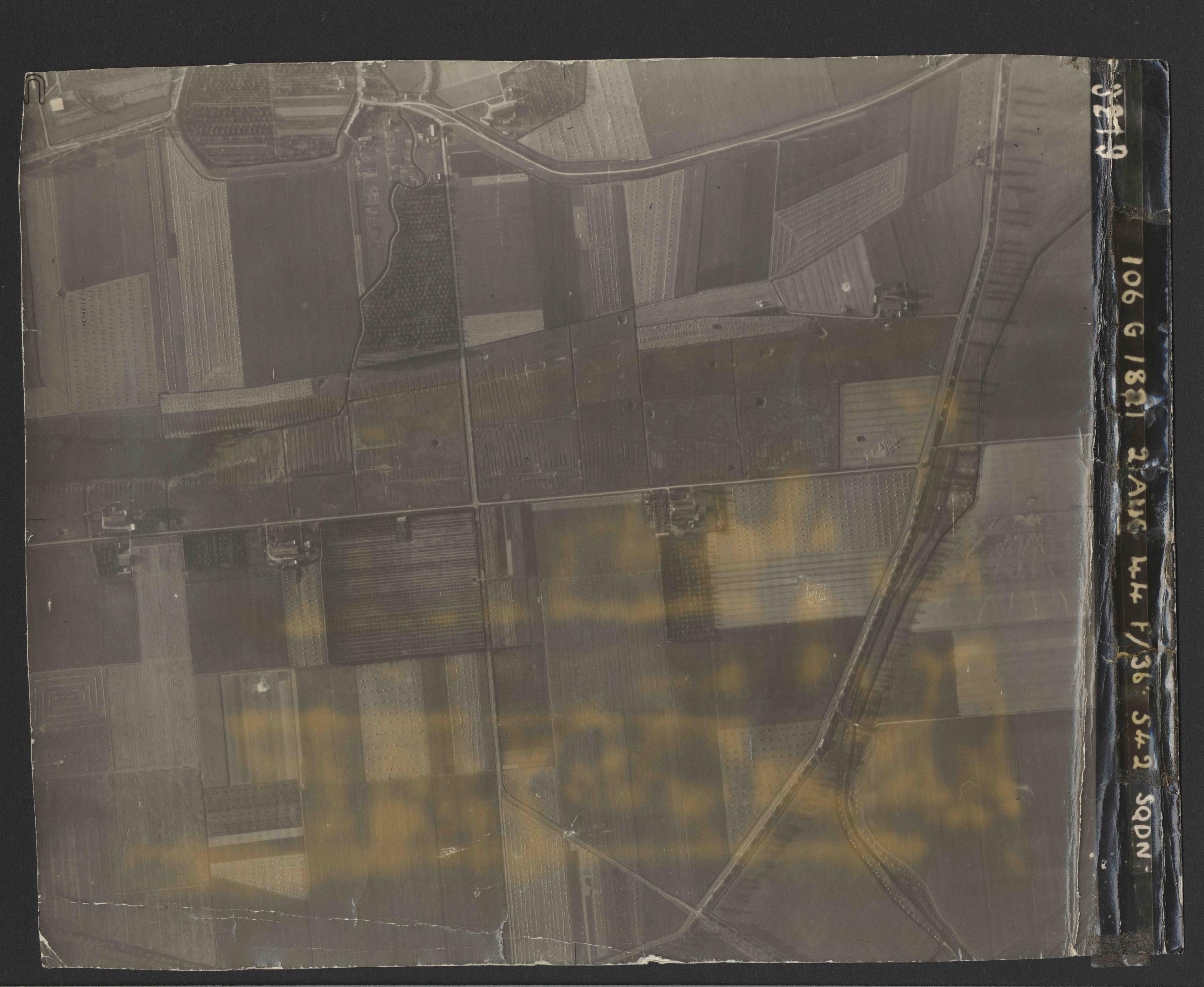 Collection RAF aerial photos 1940-1945 - flight 317, run 06, photo 3219