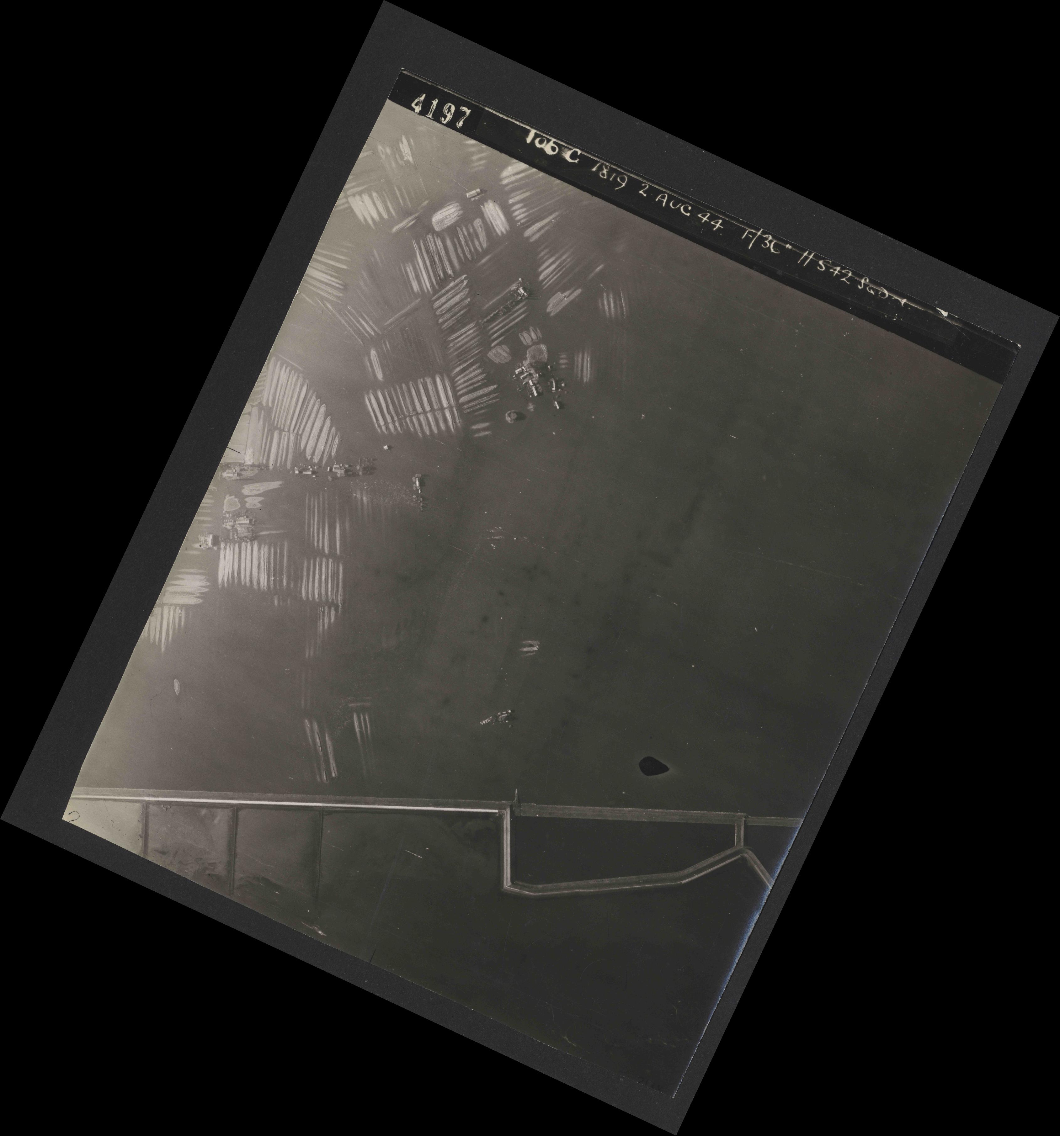 Collection RAF aerial photos 1940-1945 - flight 321, run 01, photo 4197