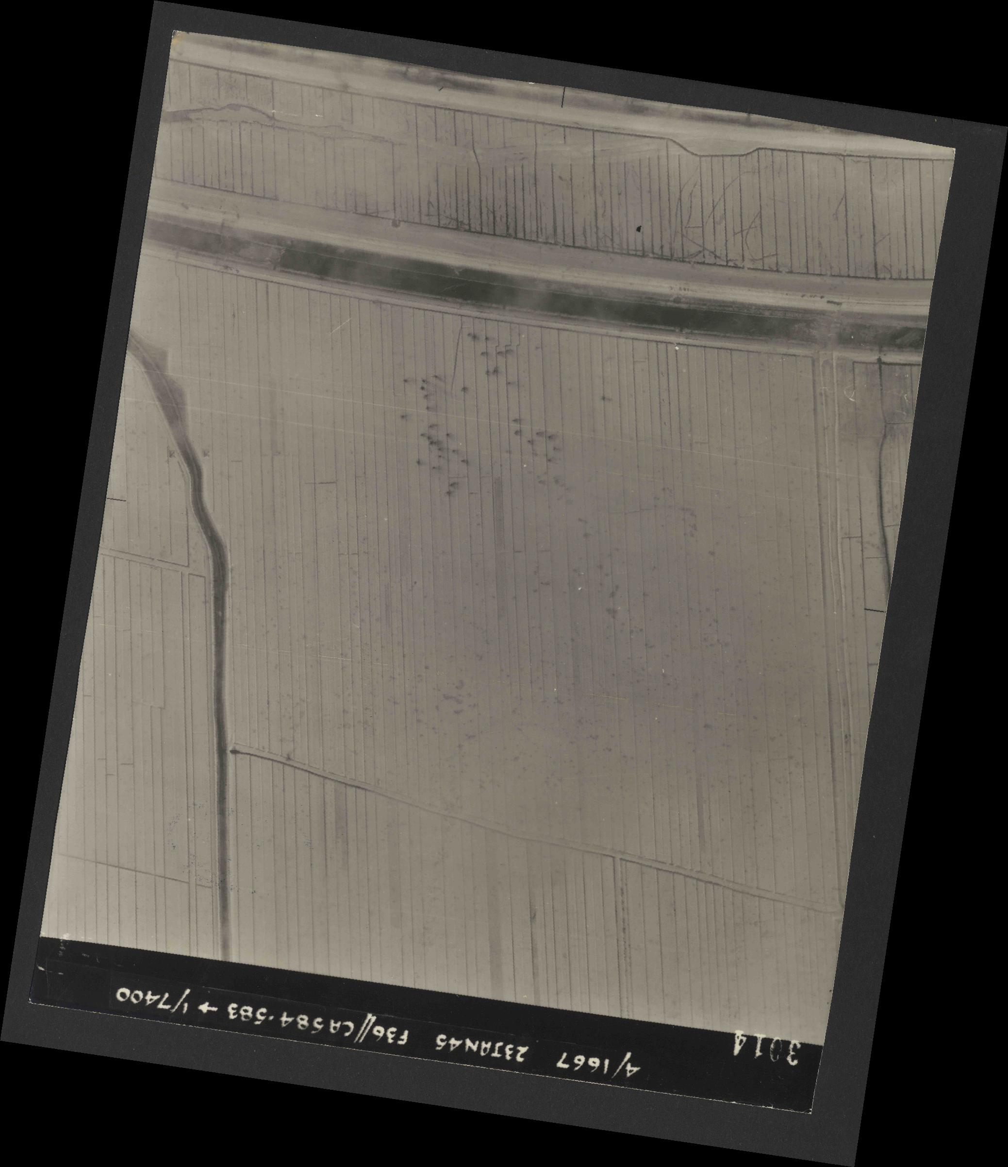 Collection RAF aerial photos 1940-1945 - flight 324, run 01, photo 3014