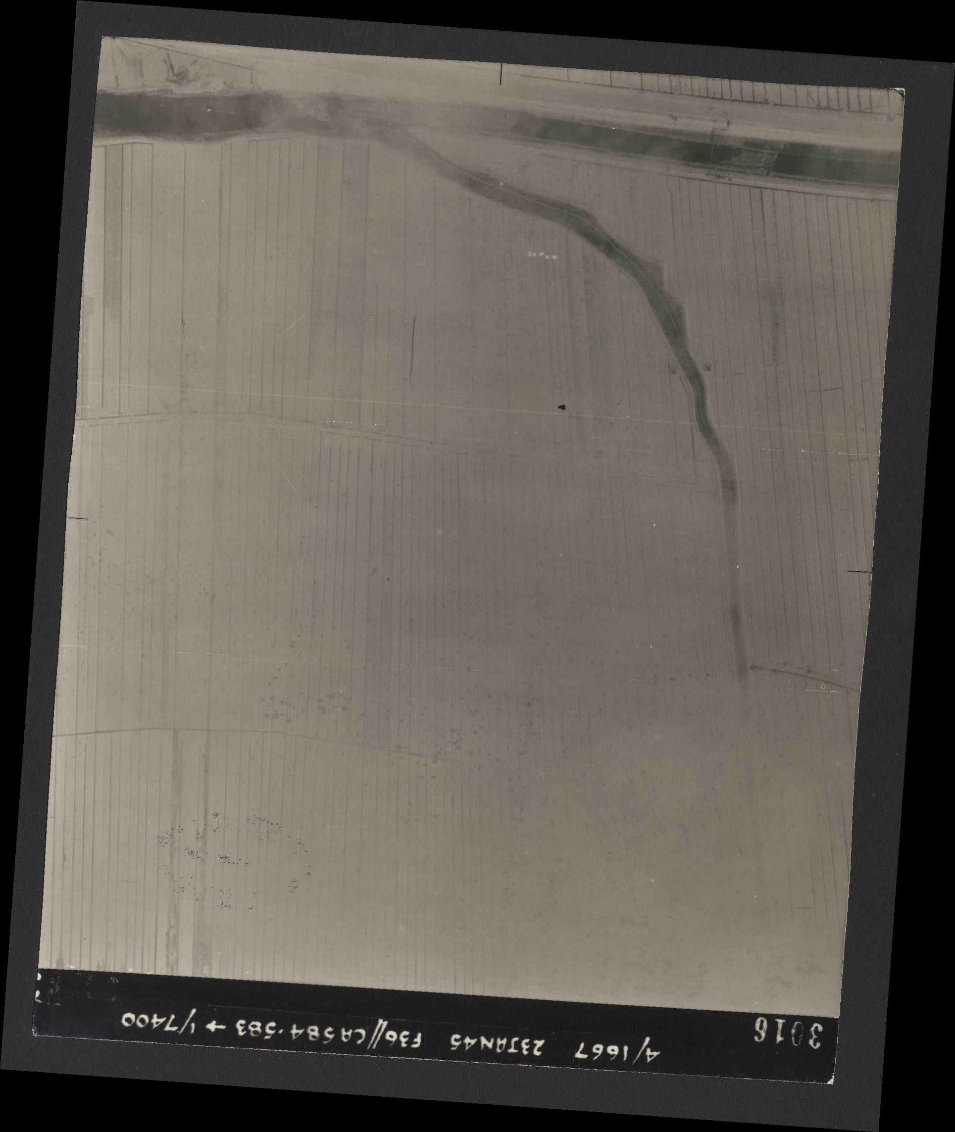 Collection RAF aerial photos 1940-1945 - flight 324, run 01, photo 3016