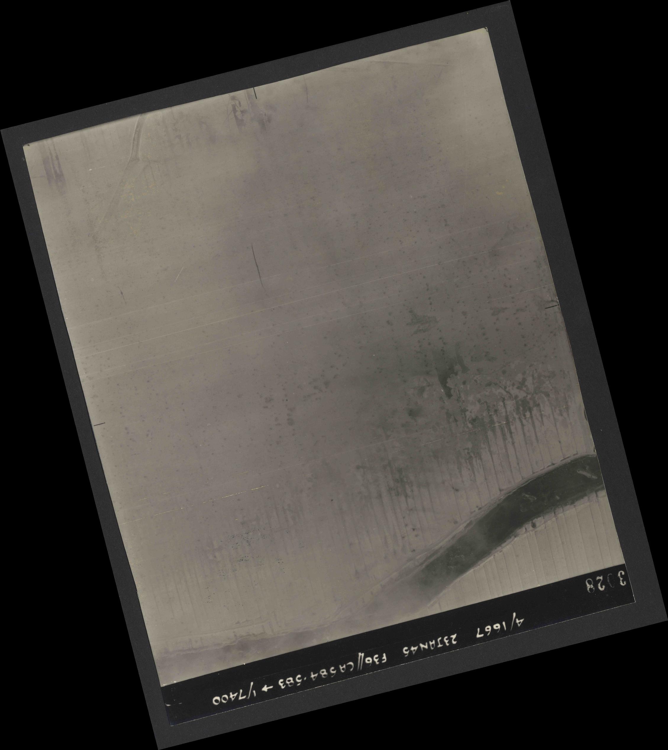 Collection RAF aerial photos 1940-1945 - flight 324, run 01, photo 3028