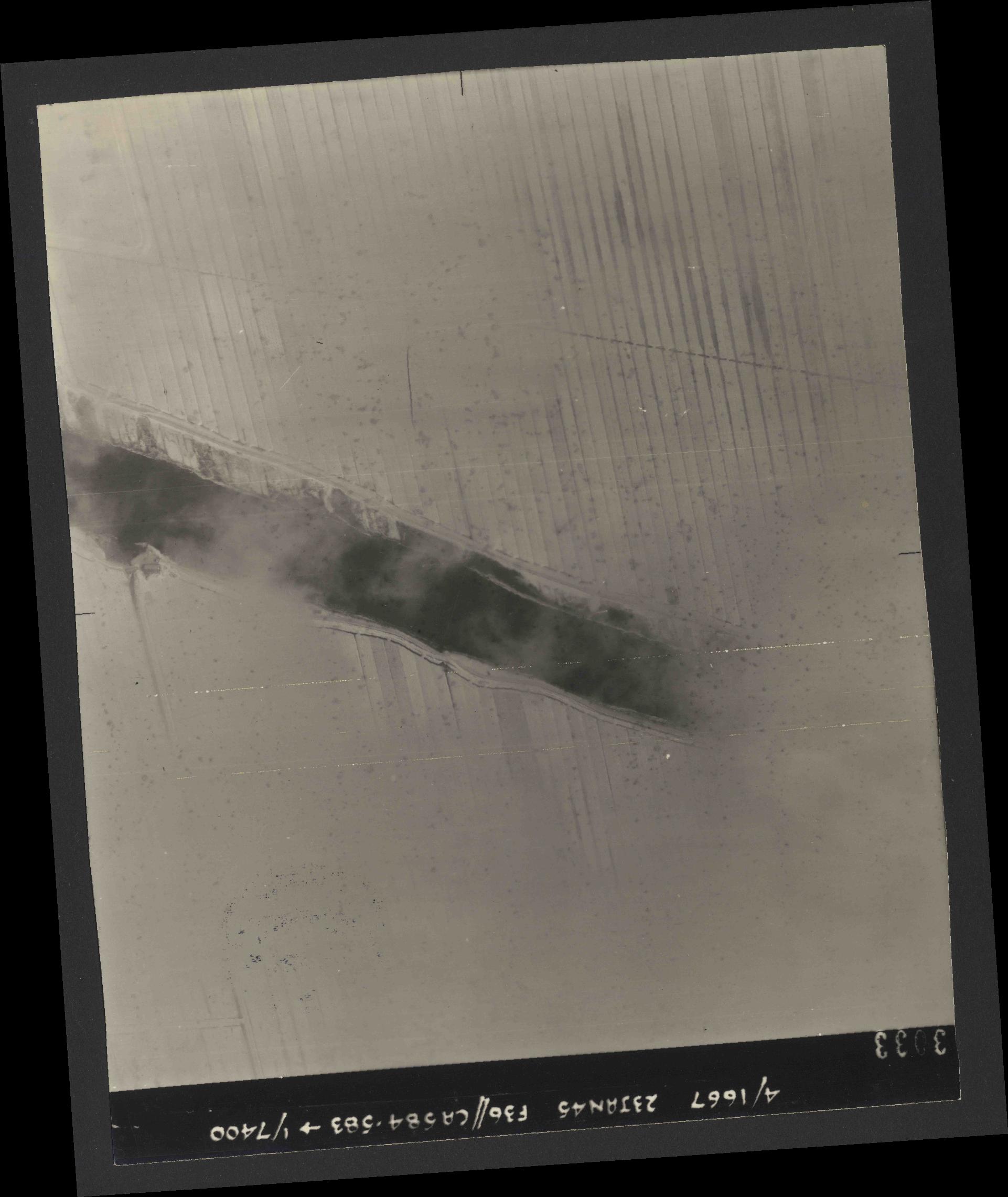 Collection RAF aerial photos 1940-1945 - flight 324, run 01, photo 3033