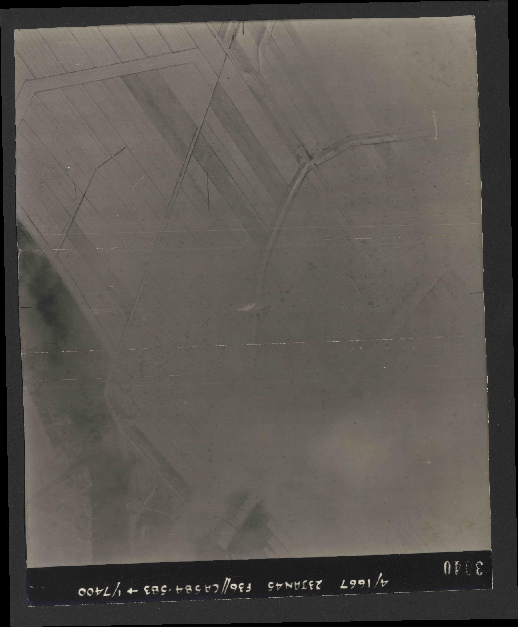 Collection RAF aerial photos 1940-1945 - flight 324, run 01, photo 3040