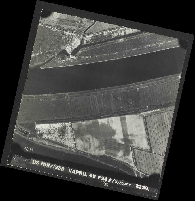 Collection RAF aerial photos 1940-1945 - flight 325, run 05, photo 4204