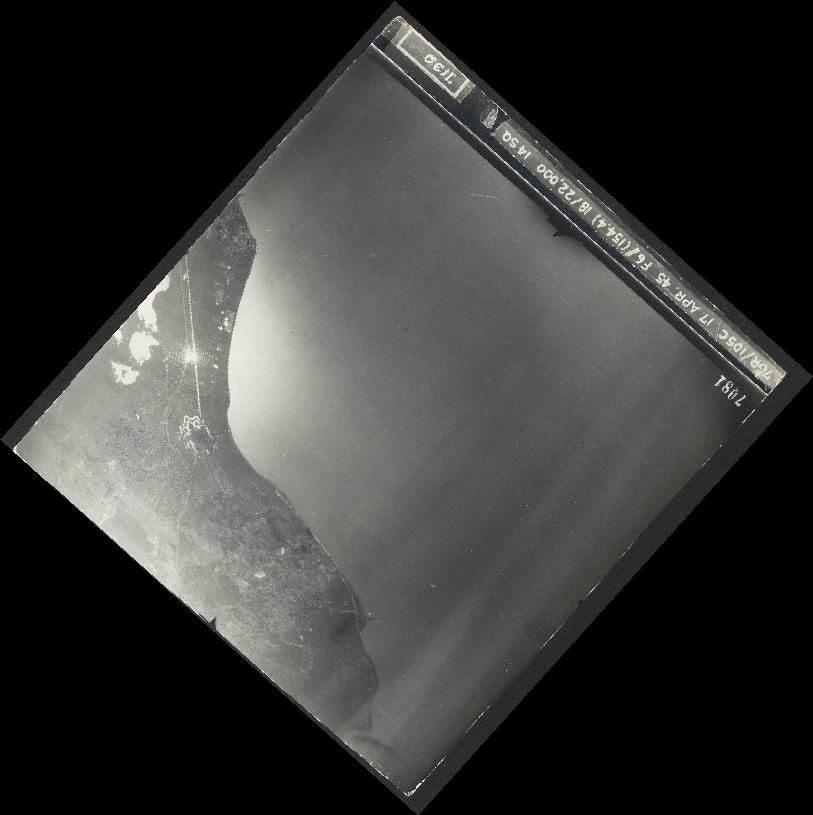 Collection RAF aerial photos 1940-1945 - flight 326, run 03, photo 7081