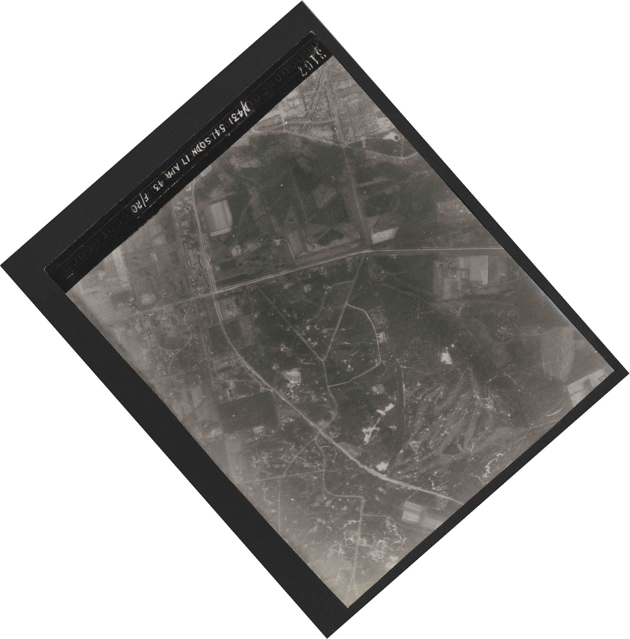Collection RAF aerial photos 1940-1945 - flight 329, run 03, photo 3107