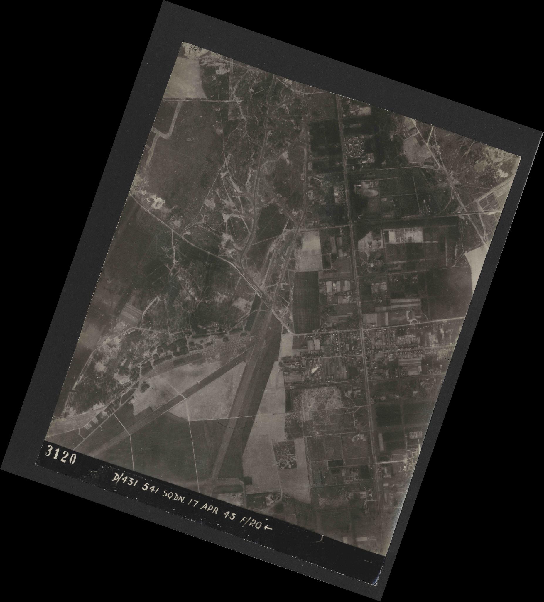 Collection RAF aerial photos 1940-1945 - flight 329, run 05, photo 3120