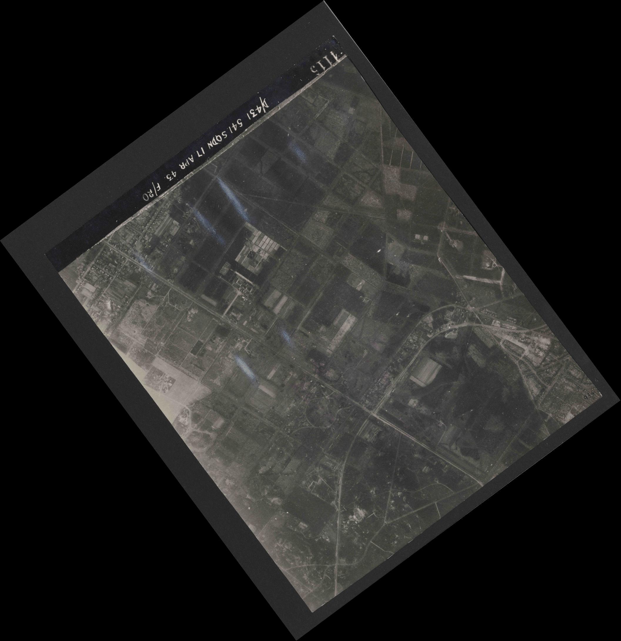 Collection RAF aerial photos 1940-1945 - flight 329, run 06, photo 4115