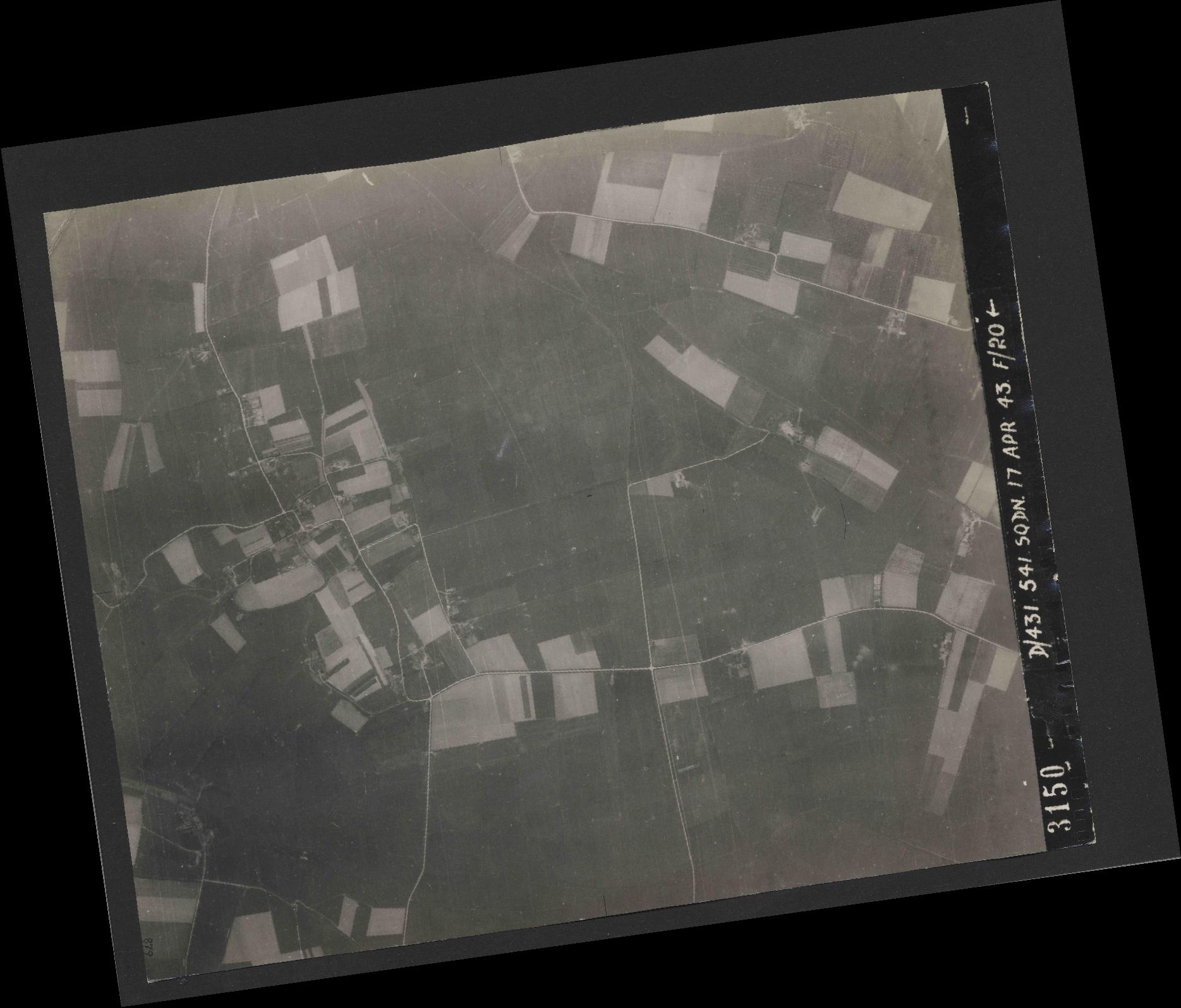 Collection RAF aerial photos 1940-1945 - flight 329, run 13, photo 3150