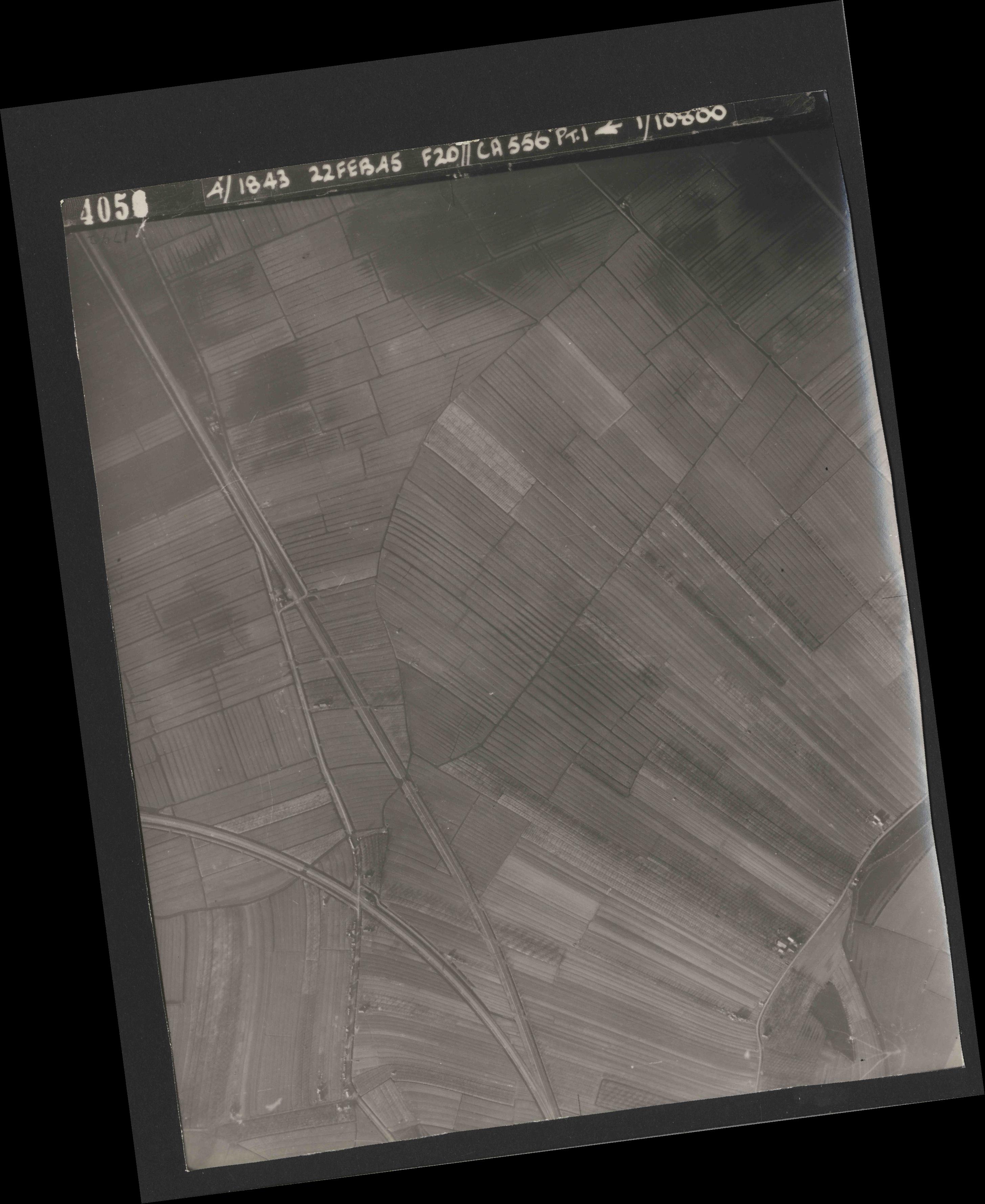 Collection RAF aerial photos 1940-1945 - flight 331, run 04, photo 4056