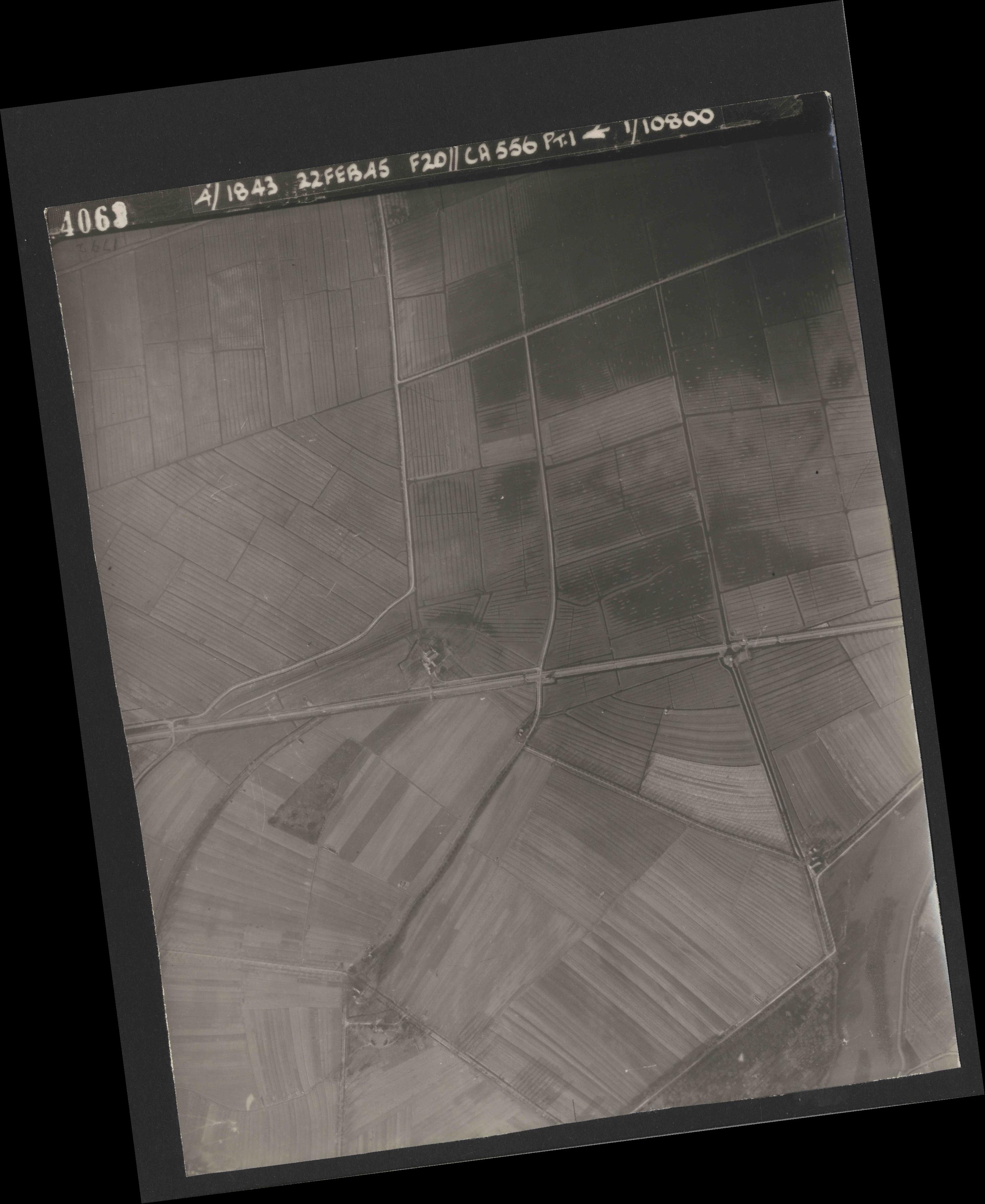 Collection RAF aerial photos 1940-1945 - flight 331, run 04, photo 4063